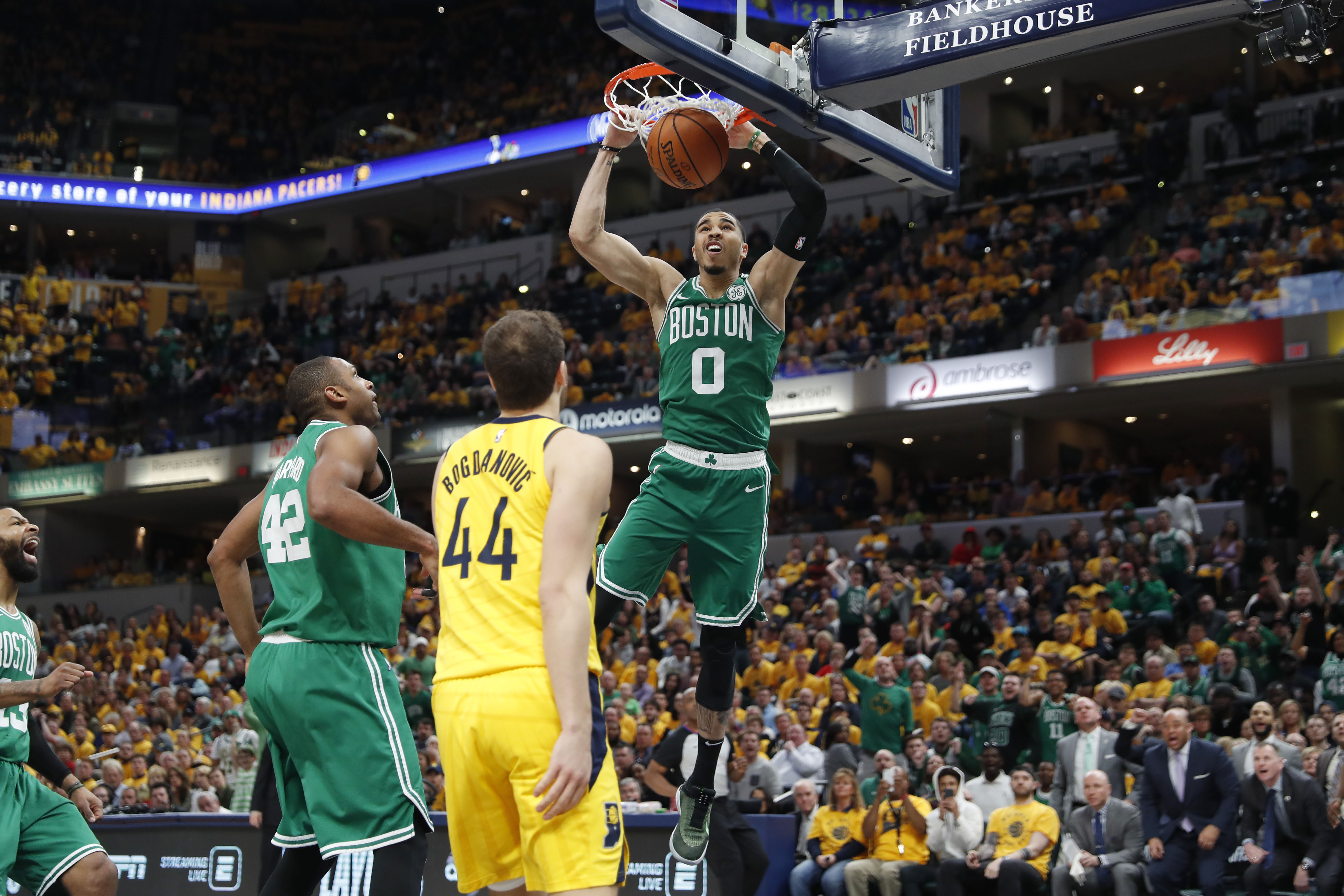 a2509457a94bb Basket - NBA - Boston balaie Indiana, Golden State prend le large. Les  Celtics ont déjà validé leur qualification ...