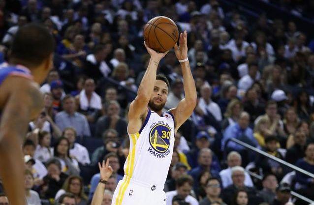 Basket - NBA - Curry et Parker aux manettes, LeBron James toujours plus haut