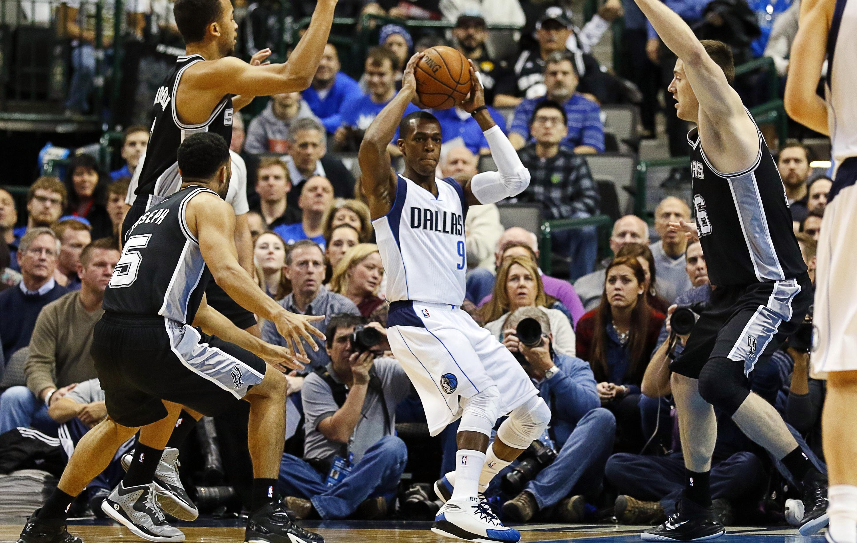 Basket - NBA - D�buts r�ussis pour Rondo avec Dallas