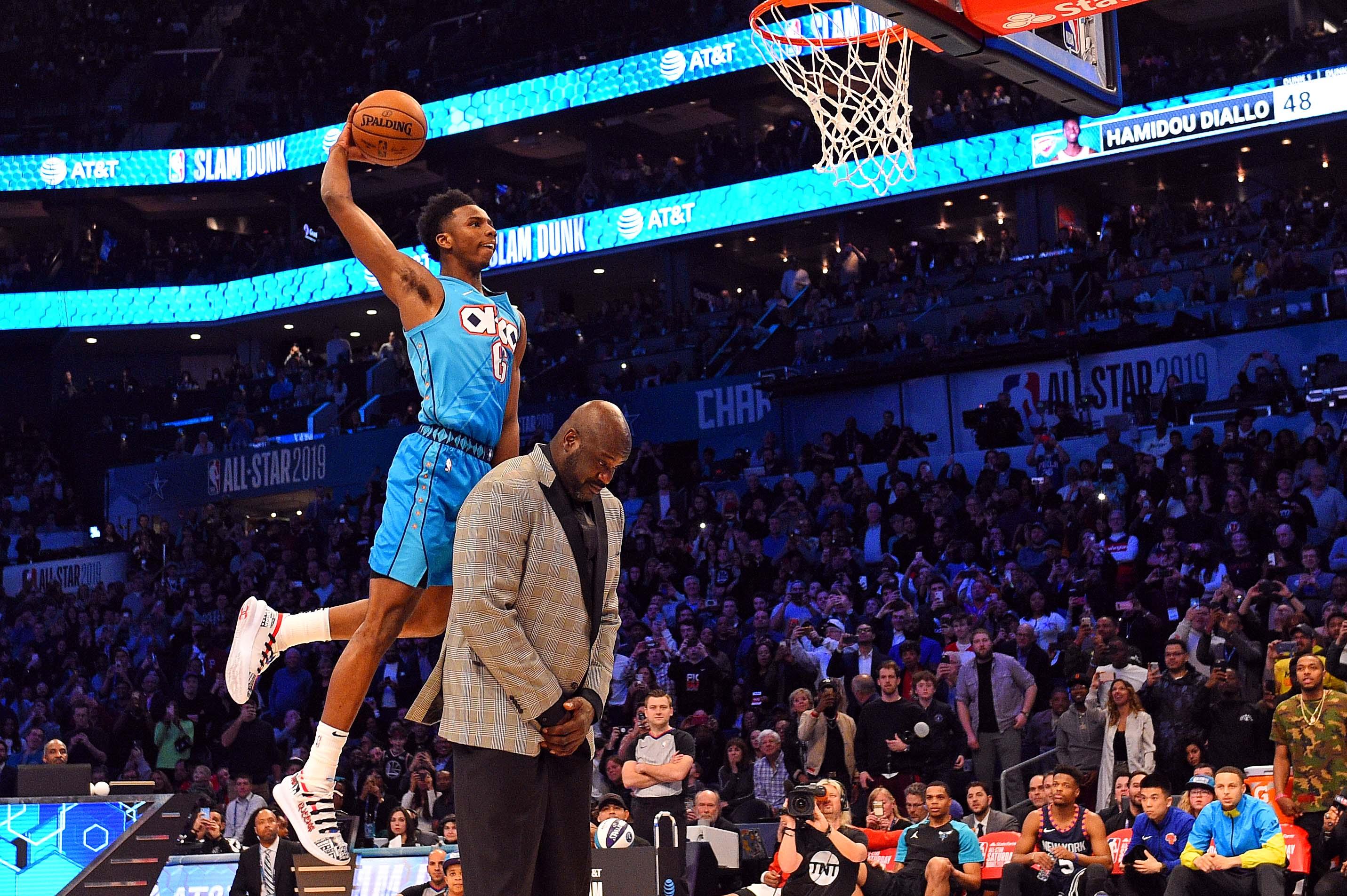 Basket - NBA - En sautant par-dessus le Shaq, Diallo égaie un concours de dunks médiocre