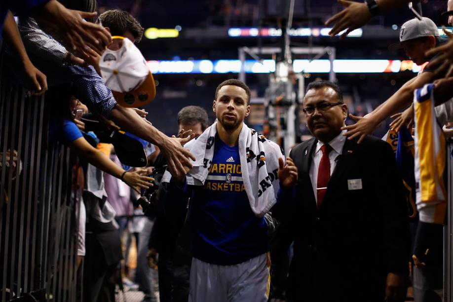 Basket - NBA - Golden State affole les compteurs, Philadeplhie s'offre un triste record