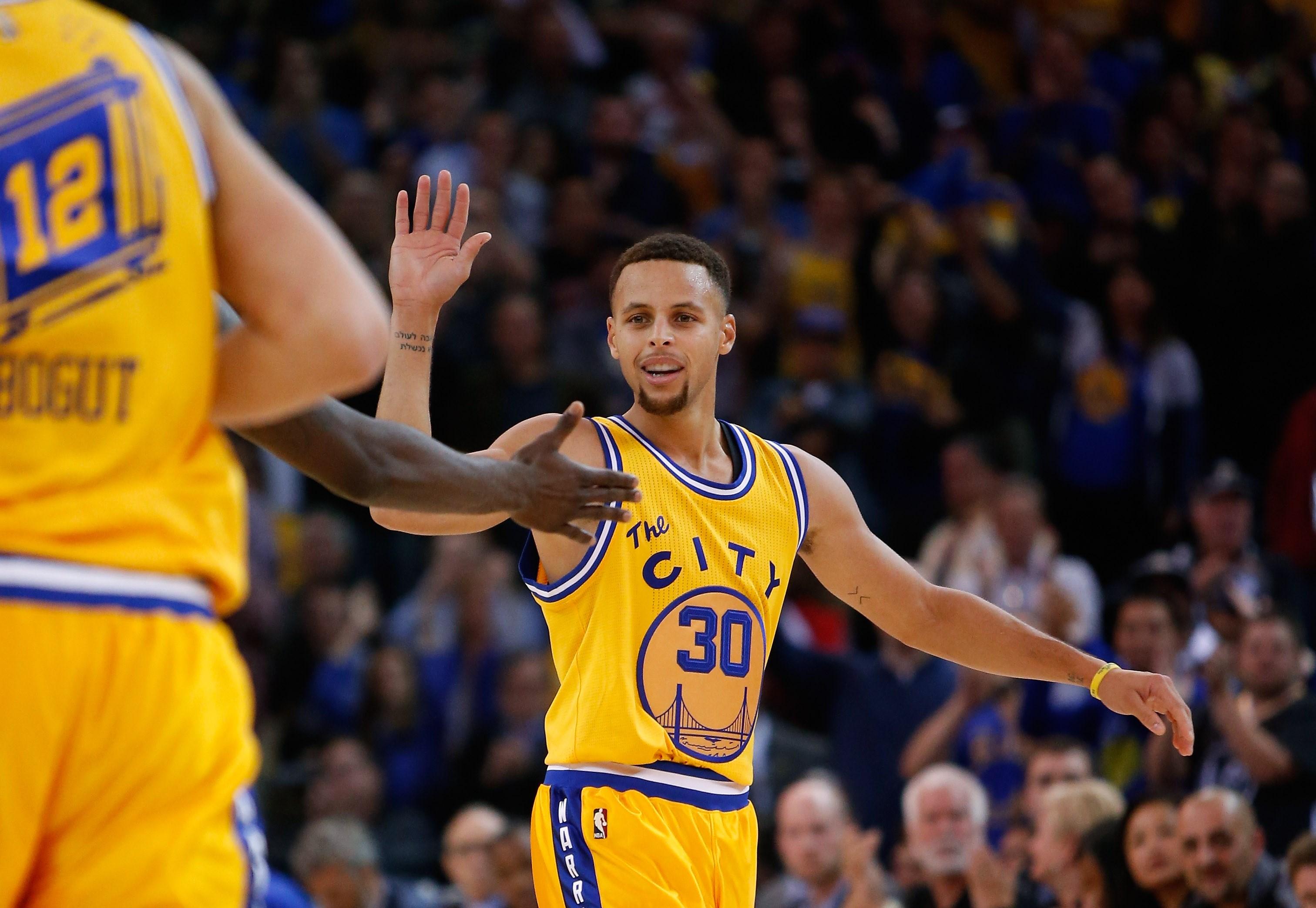 Basket - NBA - Golden State toujours sur son nuage, Cleveland d�chante
