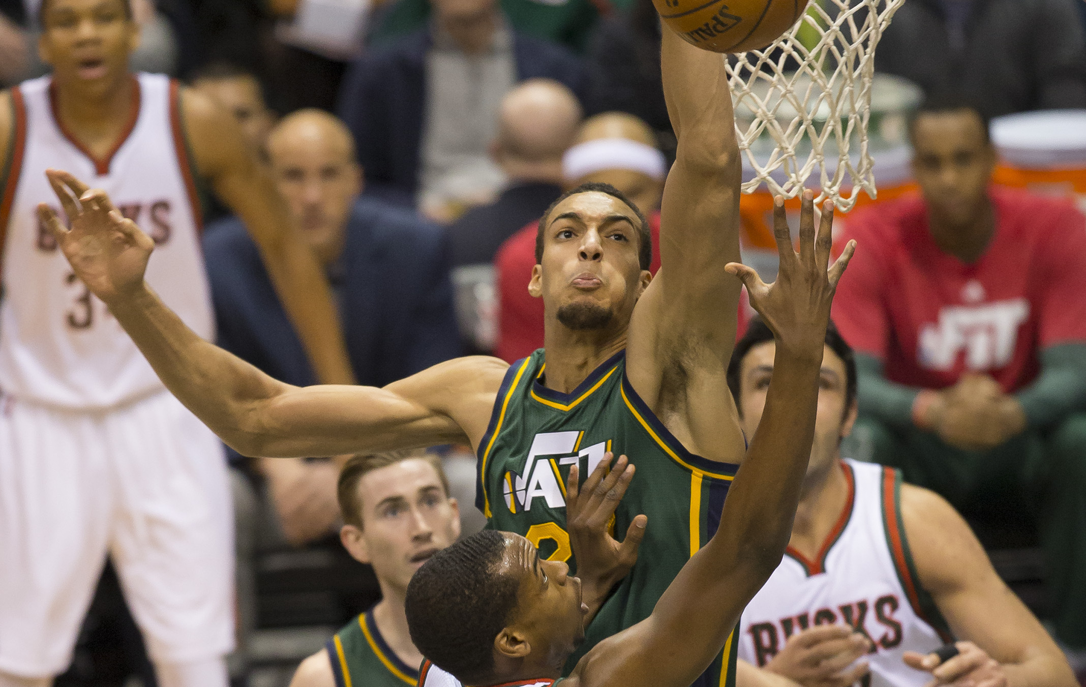 Basket - NBA - Il y a du Tony Parker chez Rudy Gobert