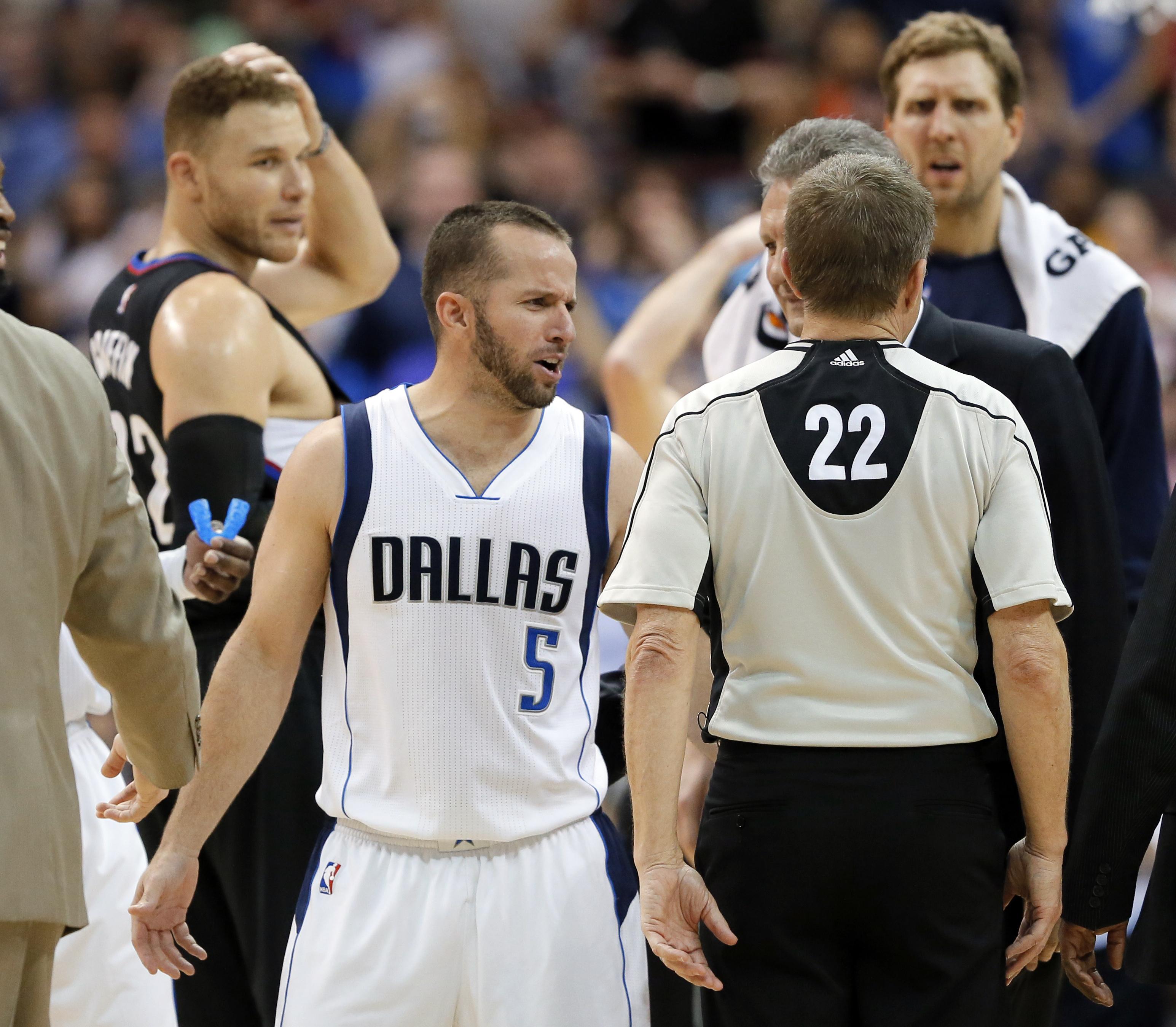 Basket - NBA - JJ Barea expulsé pour avoir envoyé Blake Griffin au sol (vidéo)