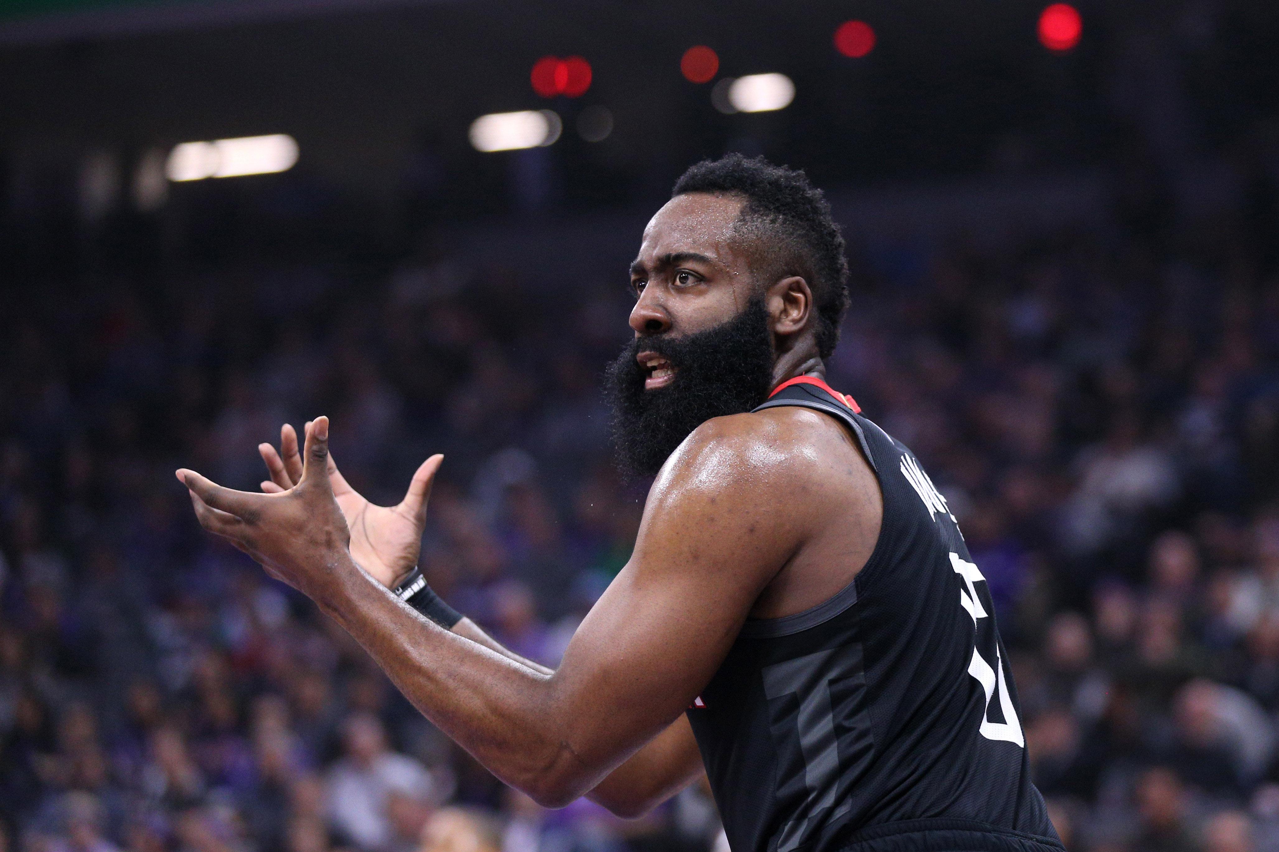 Article similaire à Basket NBA James Harden et Donovan