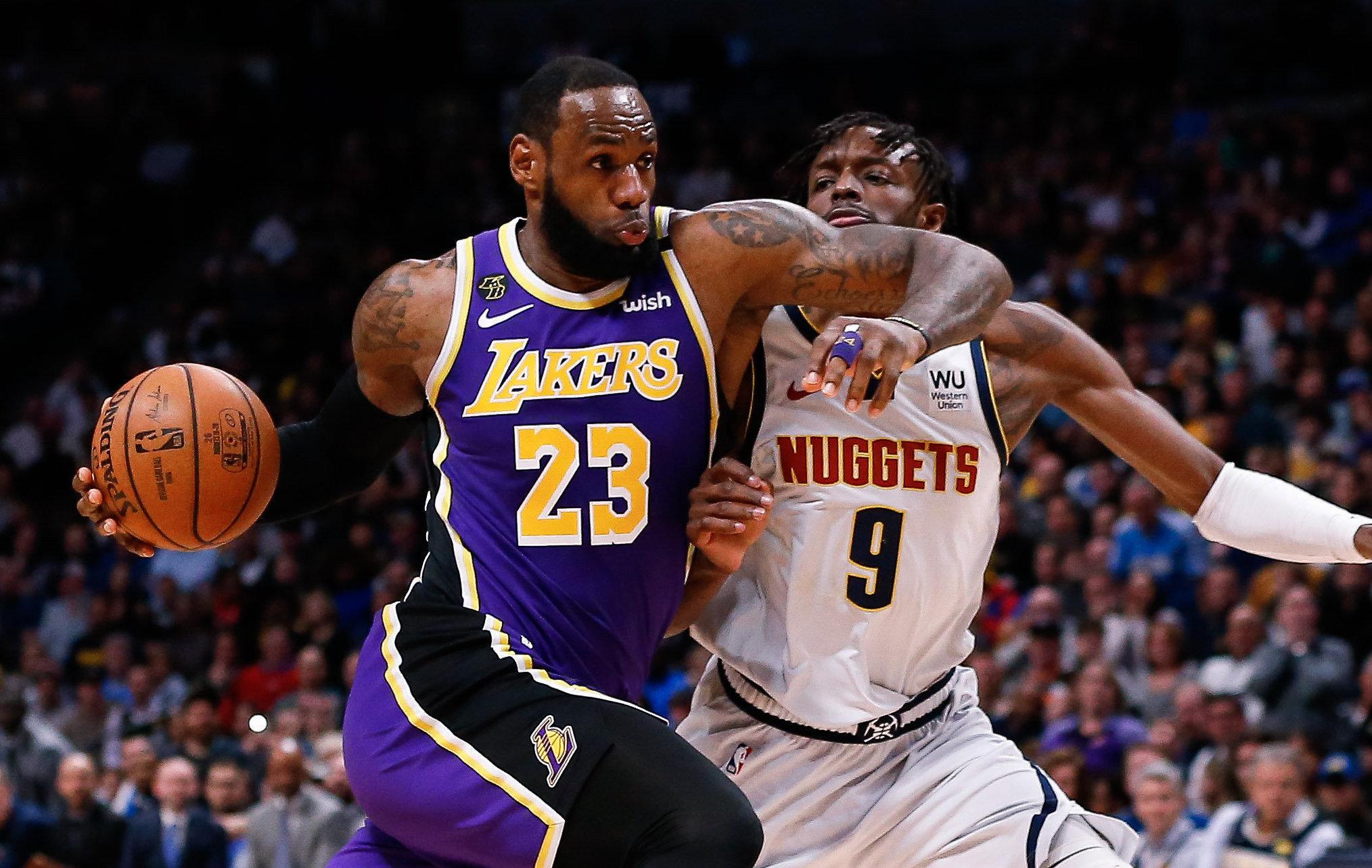 Basket - NBA - Les Lakers sur le fil à Denver, Toronto chute à Brooklyn