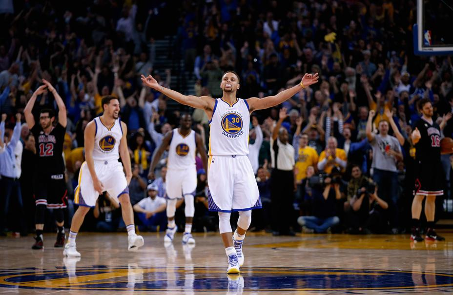 Basket - NBA - Les Warriors toujours invincibles, San Antonio au tapis