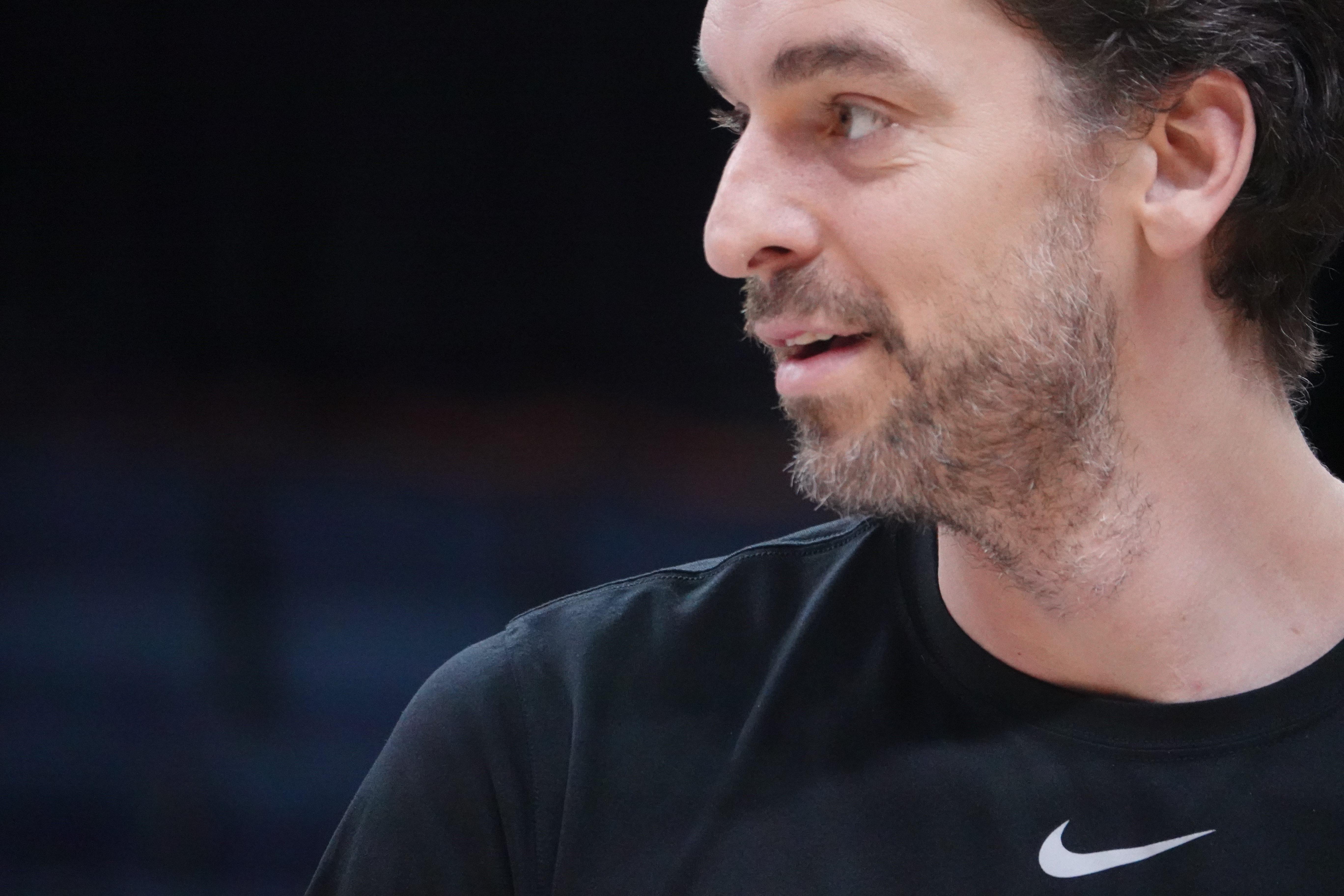 Basket - NBA - Libéré par San Antonio, Pau Gasol en route pour Milwaukee