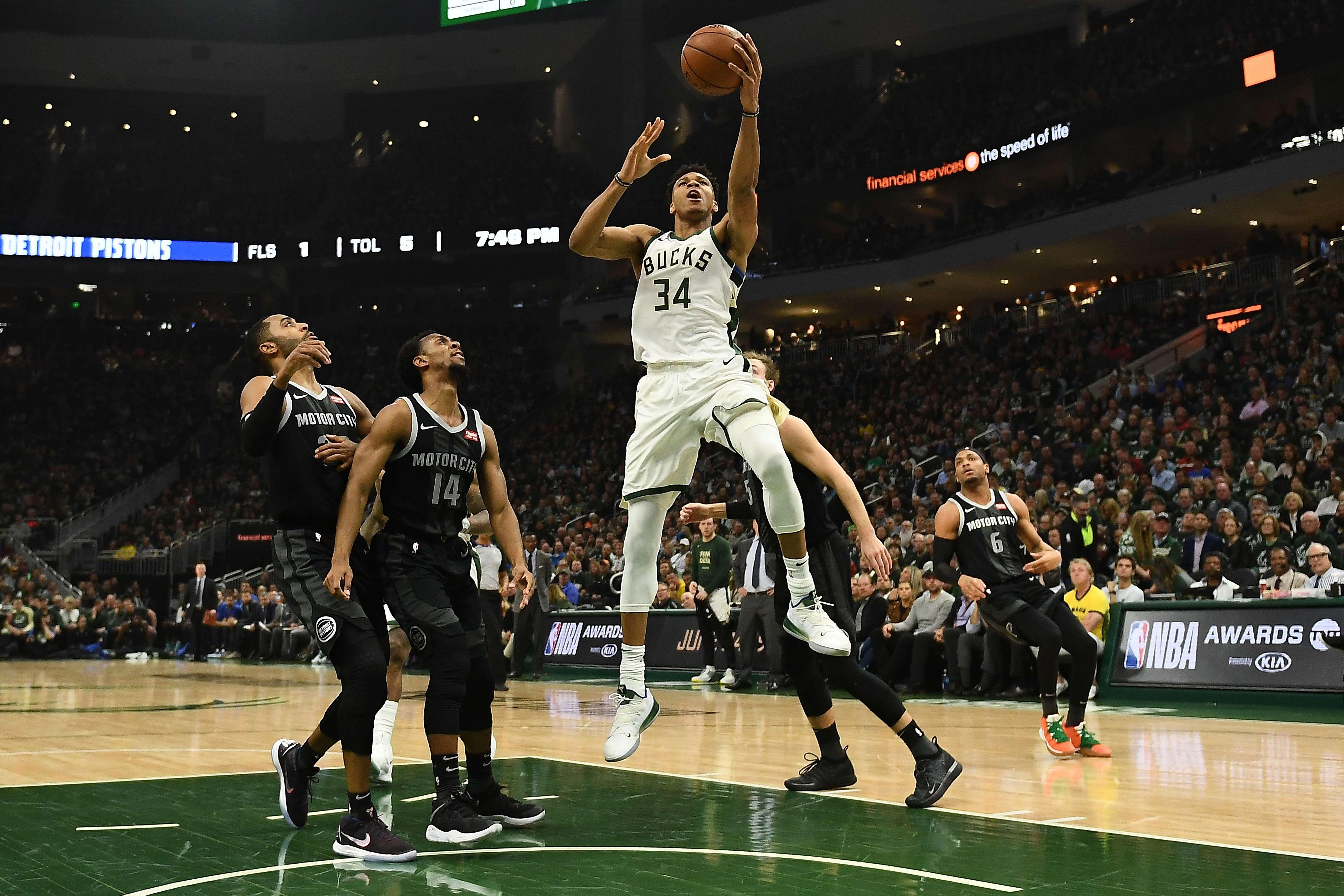 Basket - NBA - Milwaukee et Houston en toute sérénité
