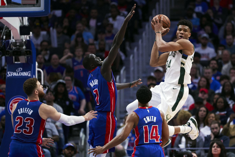 Basket - NBA - Milwaukee rejoint Boston, Houston patiente