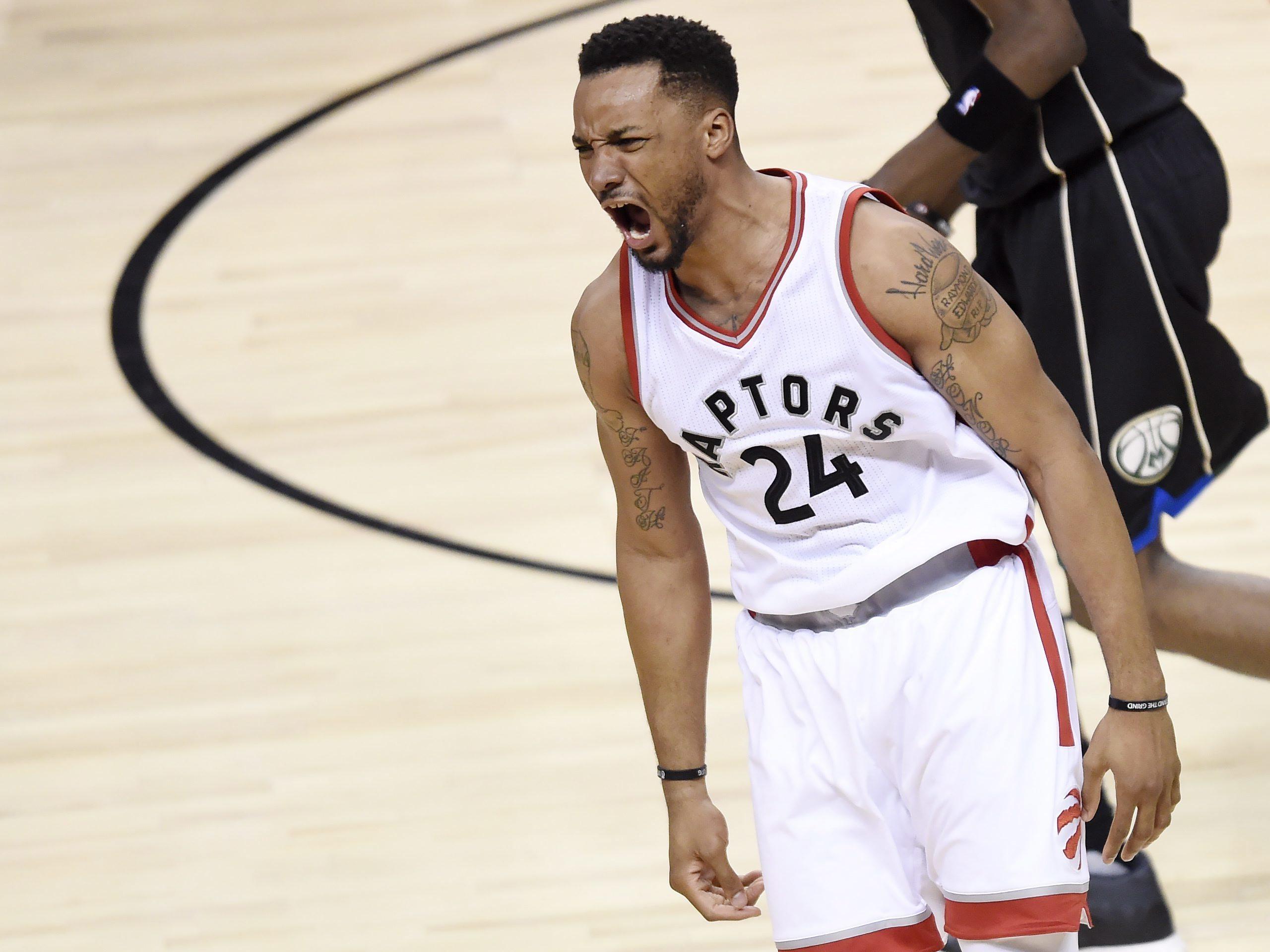 Basket - NBA - NBA : les deux énormes dunks de Norm Powell en vidéo
