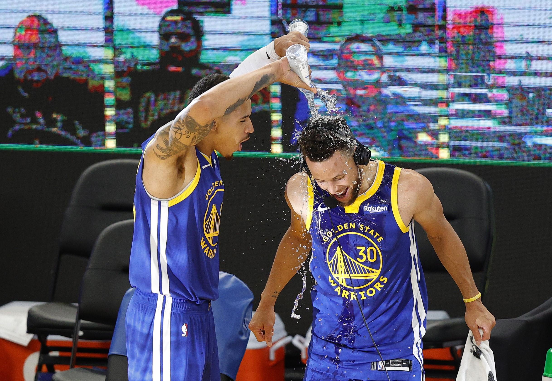 <b>NBA</b> : Stephen Curry dans la légende
