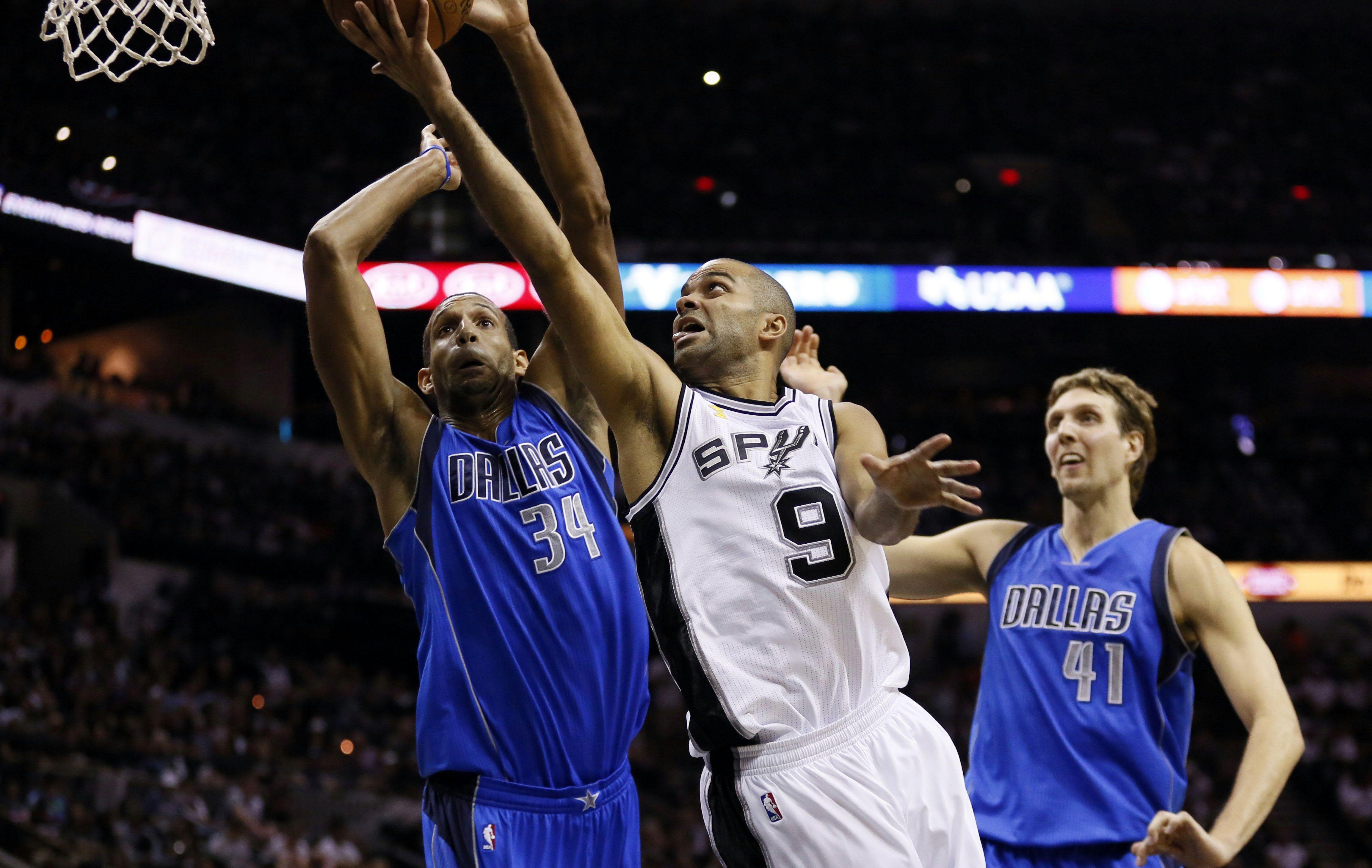 Basket - NBA - Parker et Davis d�marrent en fanfare