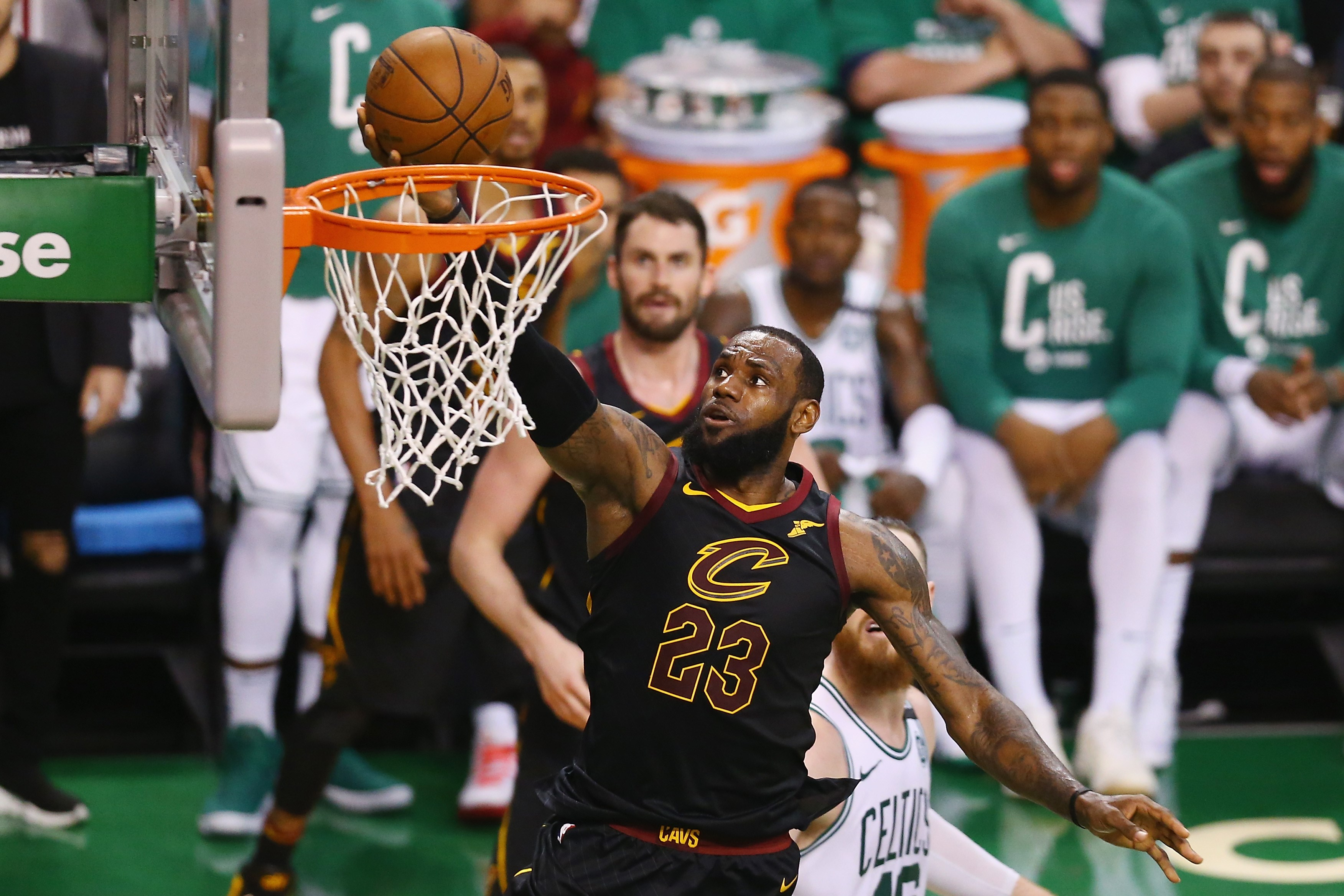 Basket - NBA - NBA : LeBron James se retrouve au bord du gouffre