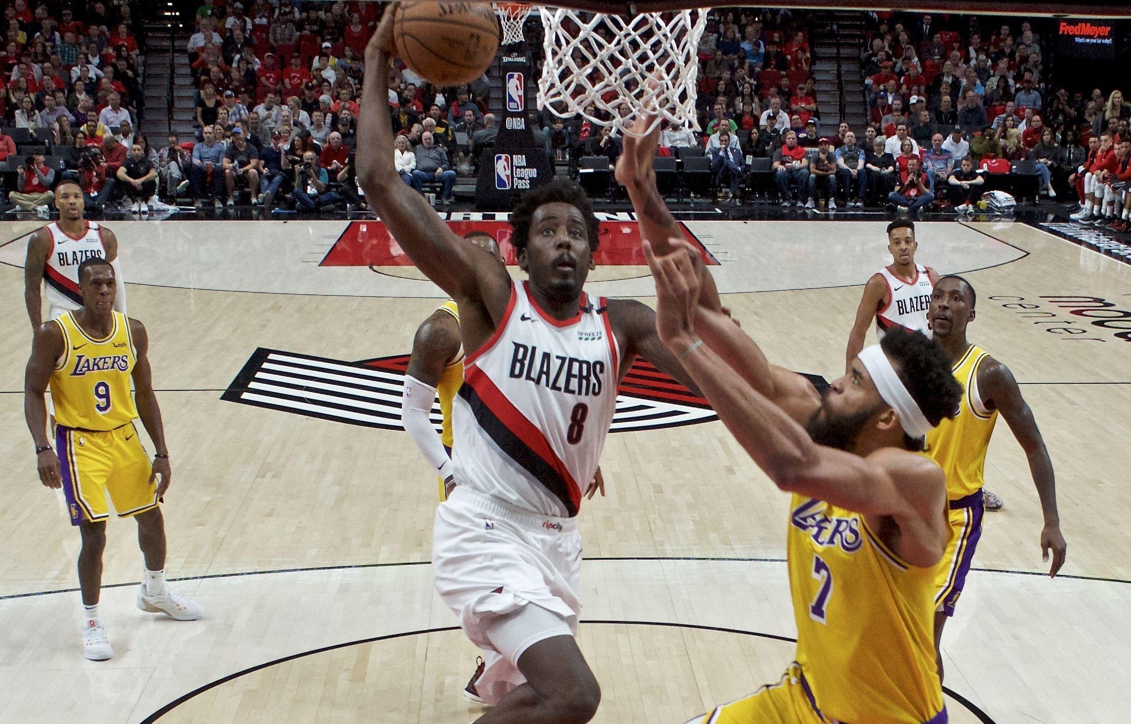 Basket - NBA - Top 5 : LeBron dans les airs, McGee salement «postérisé»