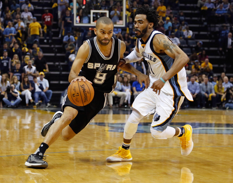 Basket - NBA - Un Tony Parker de gala permet aux Spurs de poursuivre l'aventure