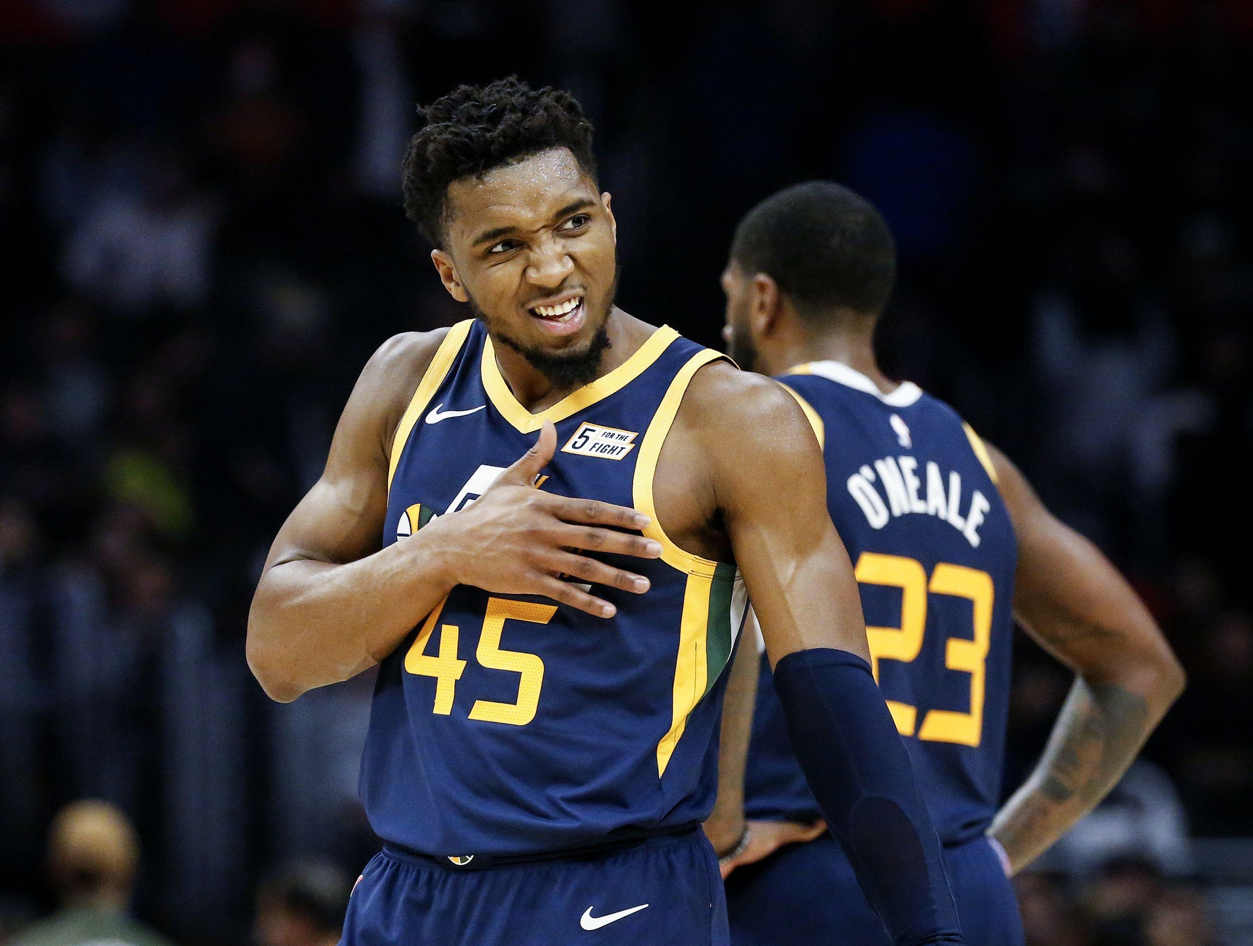 Basket - NBA - Utah renverse Houston au buzzer, Cleveland humilié