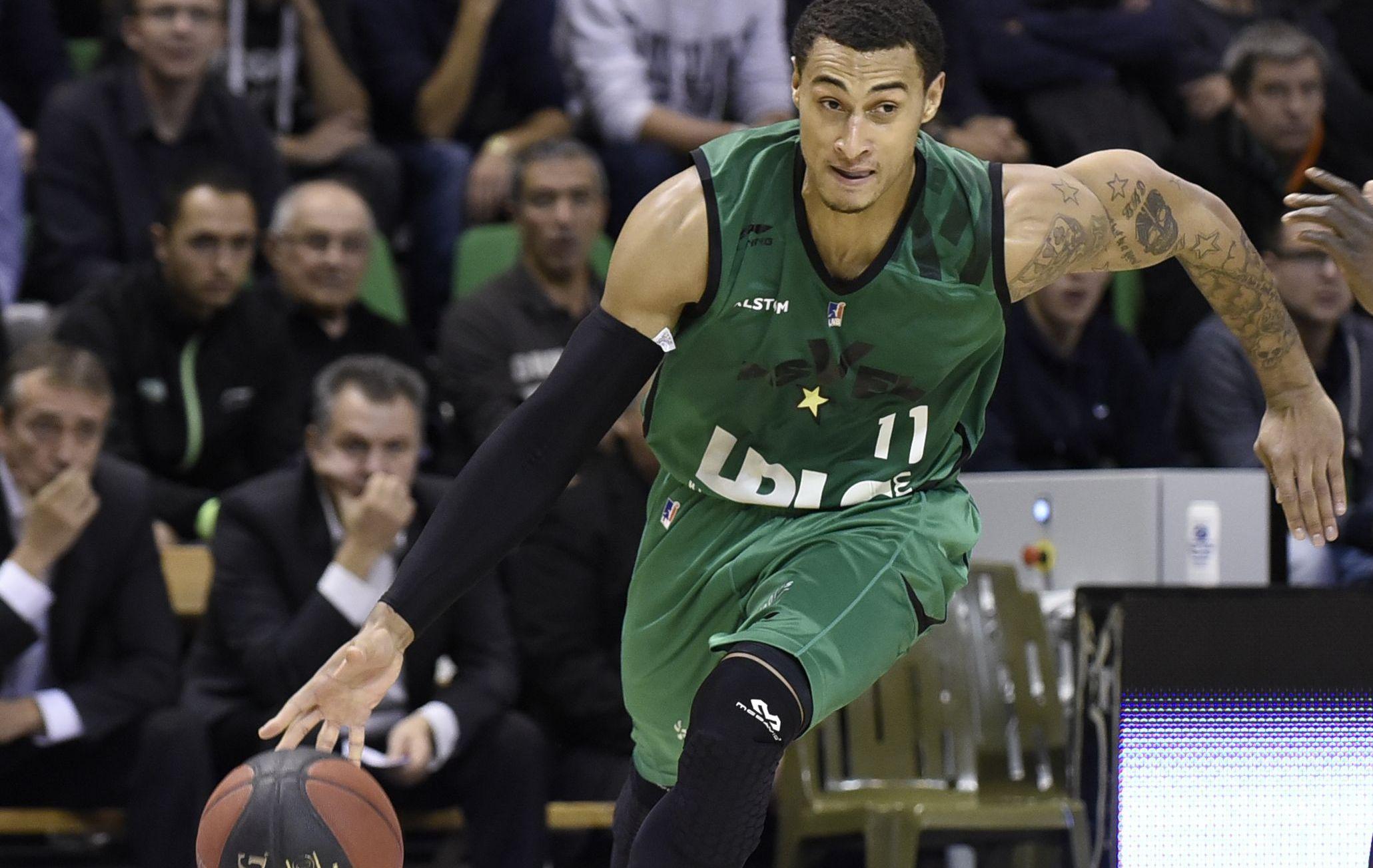 Basket - Pro A - Limoges g�che la der d?Edwin Jackson � l'Asvel