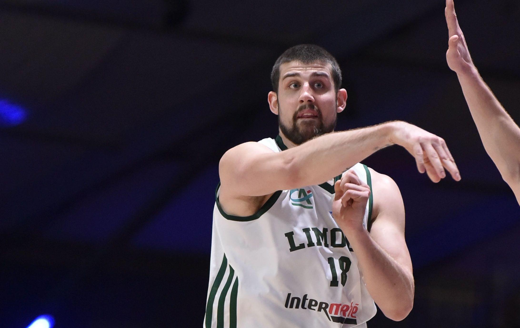 Basket - Pro A - Paris d�truit Limoges, Strasbourg s?envole