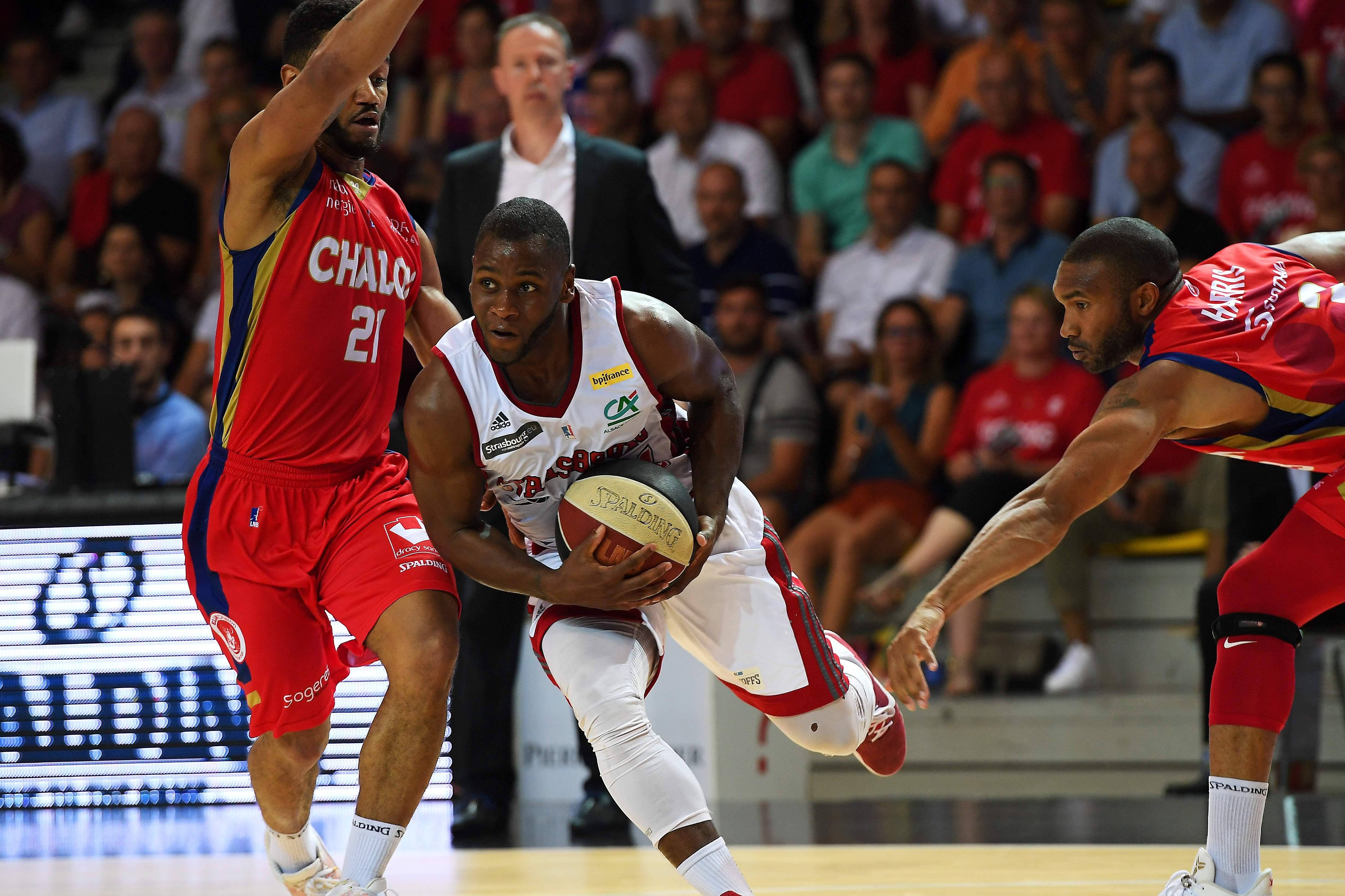 Basket - Pro A - Strasbourg tient bon face à Chalon et arrache une cinquième manche