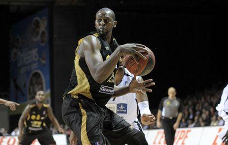 Basket - Pro A - Un basketteur licenci� � cause d'un tweet sur Charlie Hebdo
