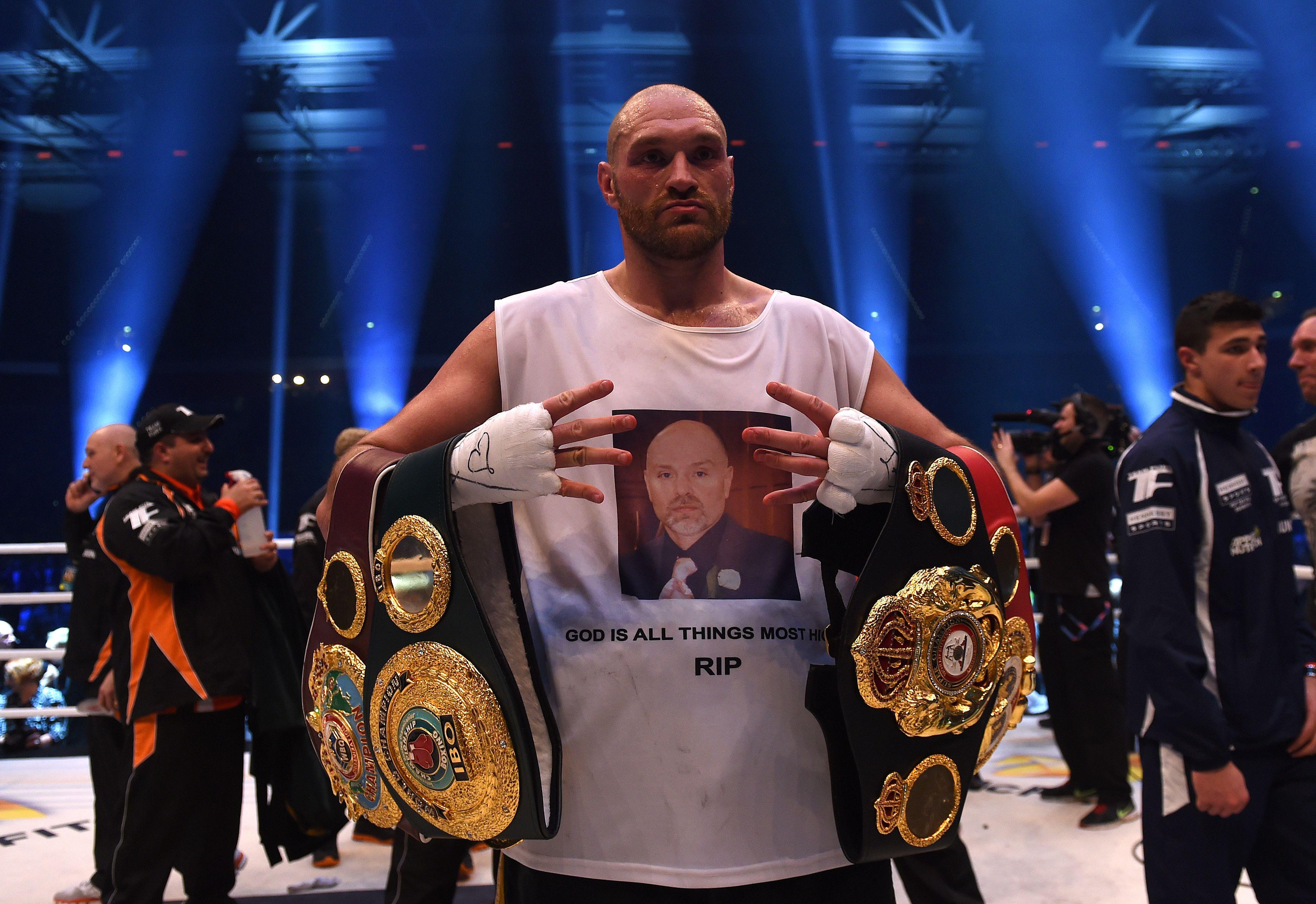 Boxe - Tyson Fury abandonne ses titres de champion du Monde