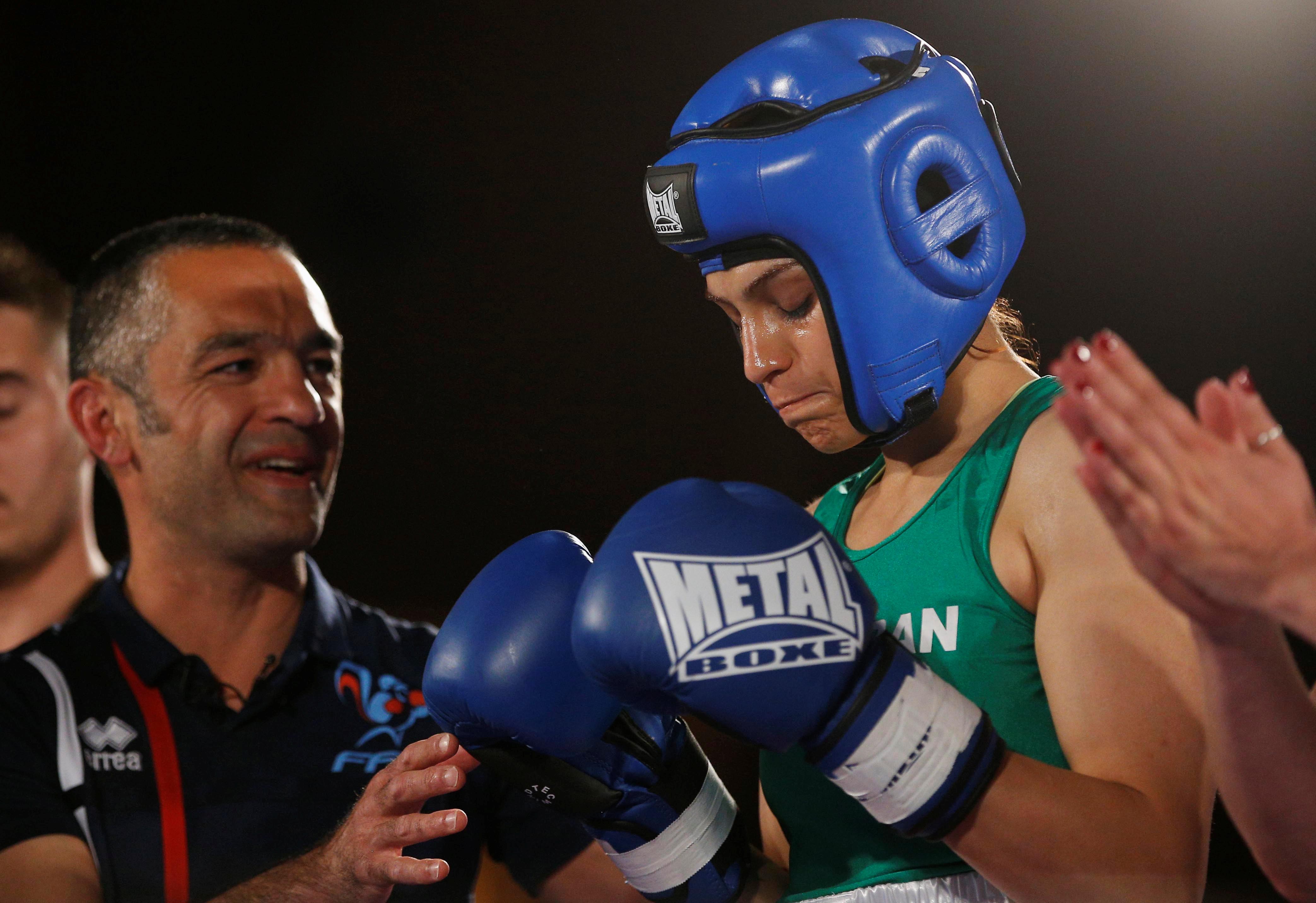 Boxe - La boxeuse iranienne Sadaf Khadem gagne son premier combat