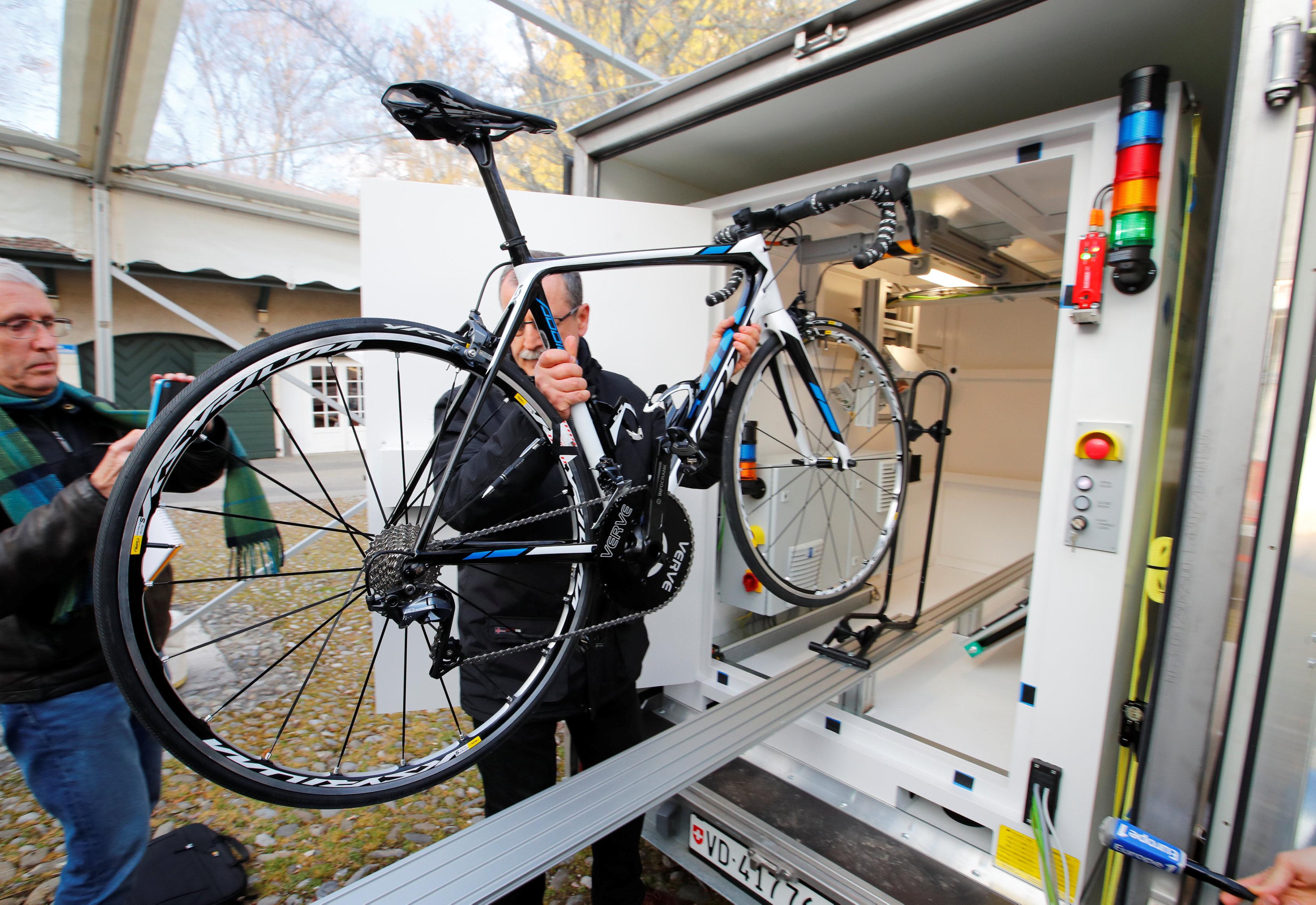 Cyclisme - Des contrôles des vélos par rayons-X pour lever la suspicion
