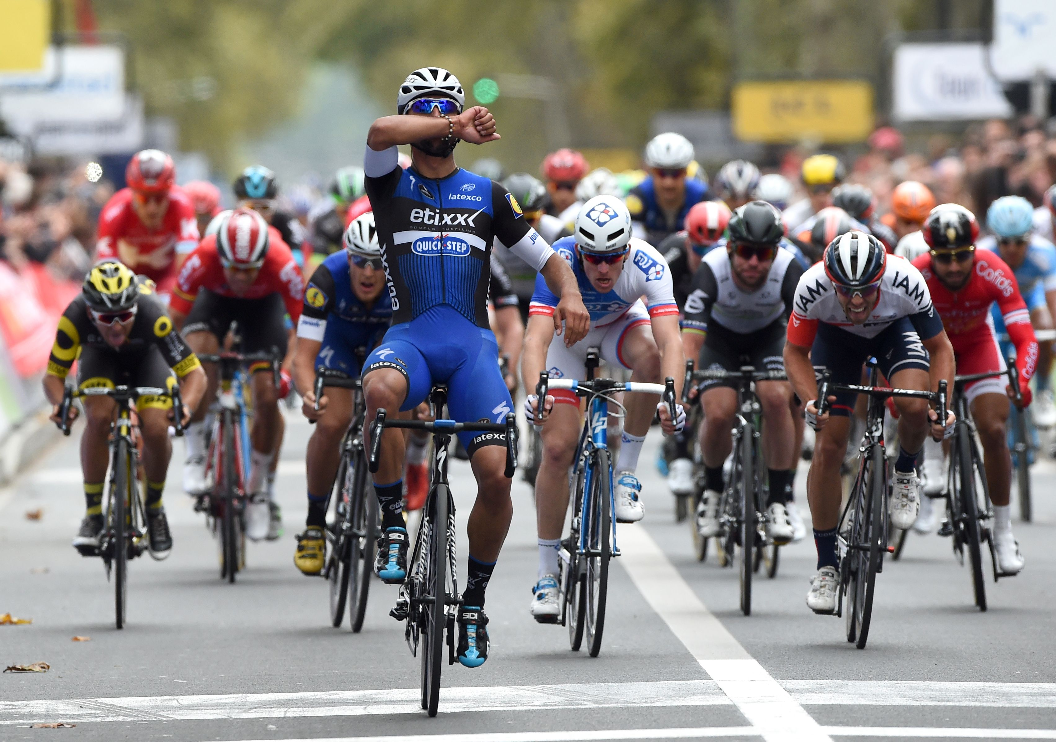 Cyclisme - Paris-Tours : Demare surpris par Gaviria