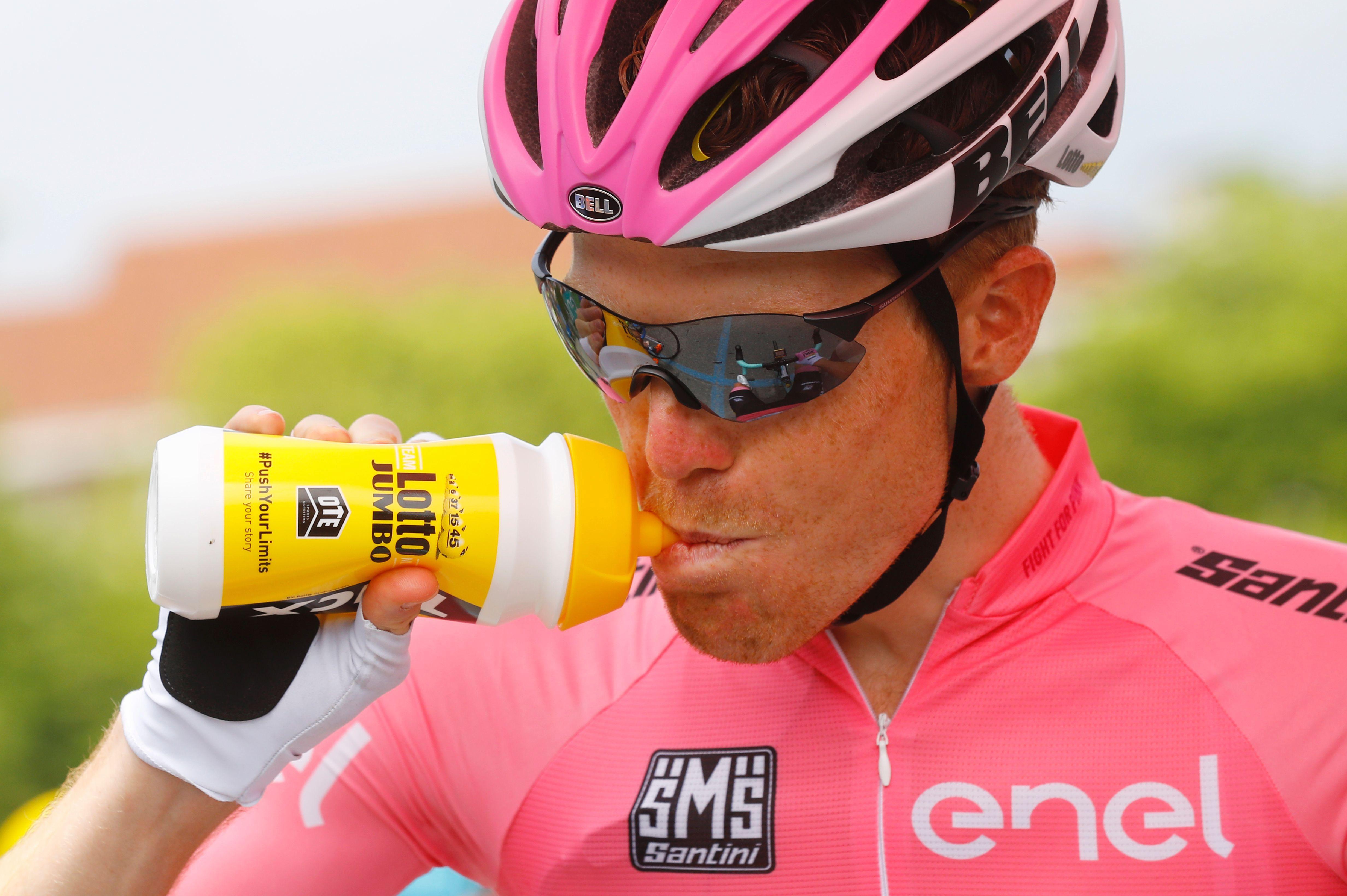 Cyclisme - Giro - Quand le leader du Tour d'Italie tombe dans... la neige