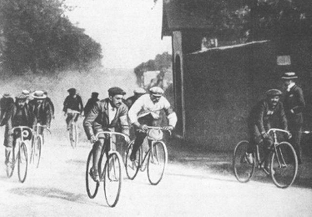 Cyclisme - Tour de France - Etape de 471 km, tricheries, écarts abyssaux : le drôle de premier Tour de France en 1903