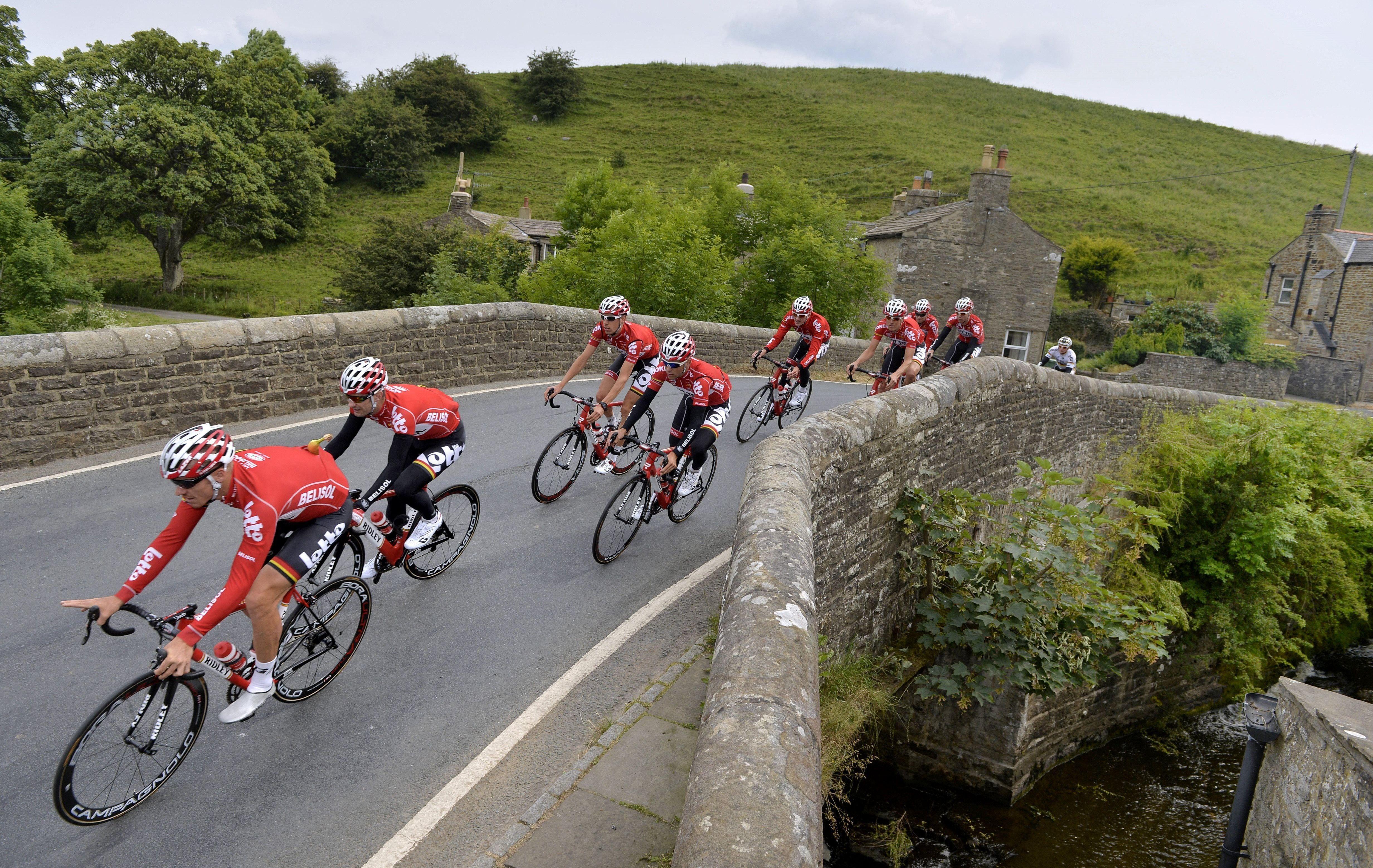 Sprint dans un jardin anglais tour de france cyclisme for Jardin anglais en france