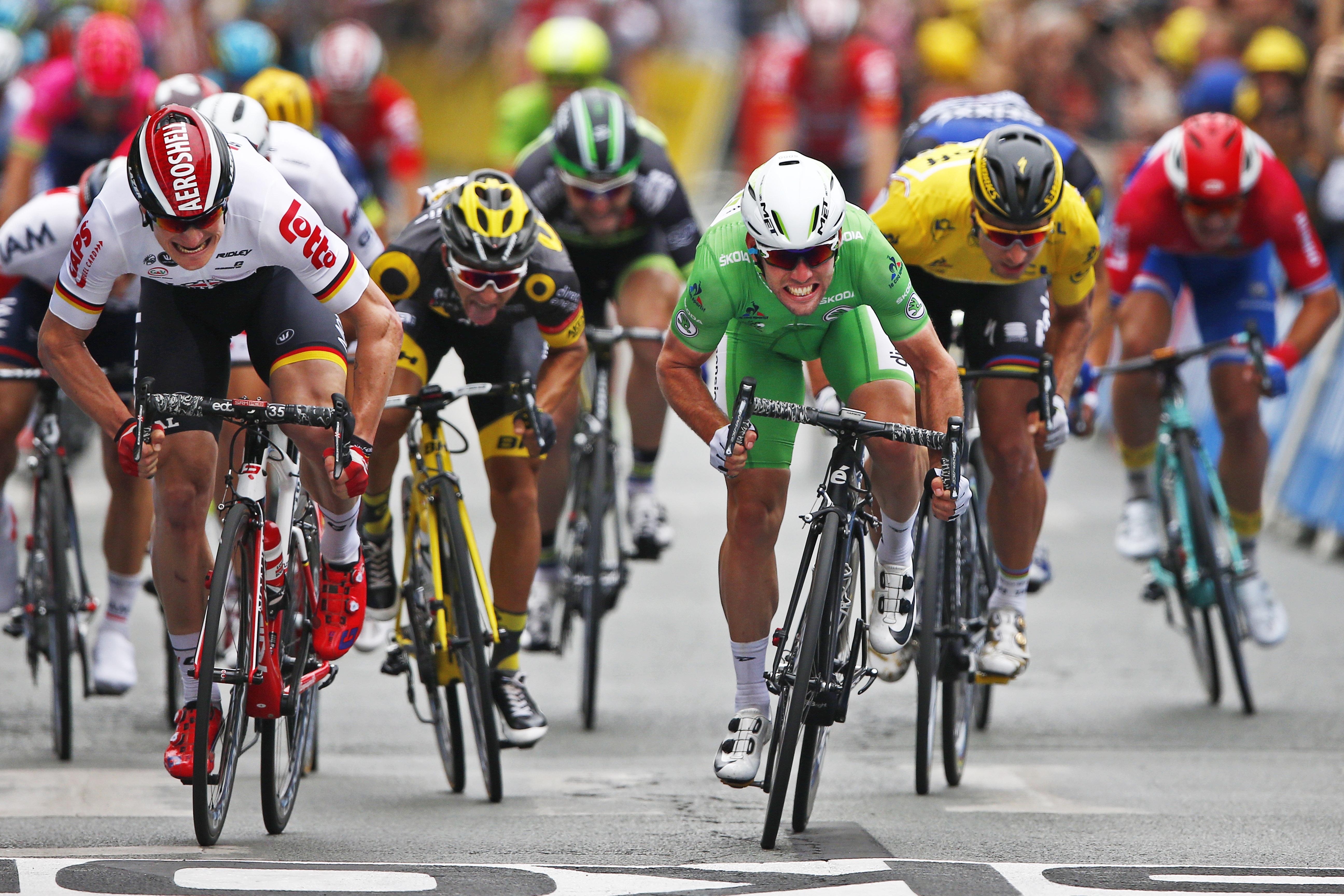 [******] Vercorin Racing Club : The Legend of cyclism - Page 4 Tour-de-France-Cavendish-remet-ca-et-egale-Hinault