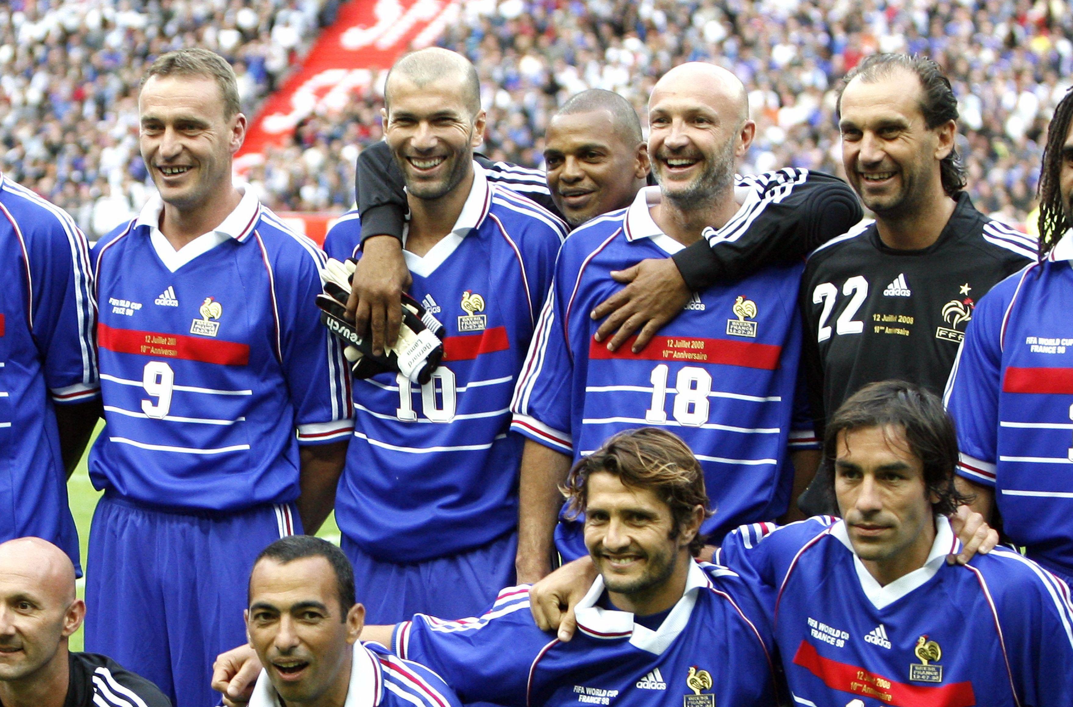 La f te d 39 anniversaire pour les bleus de 1998 le 12 juin l 39 u arena football - Jeux de foot match coupe du monde ...