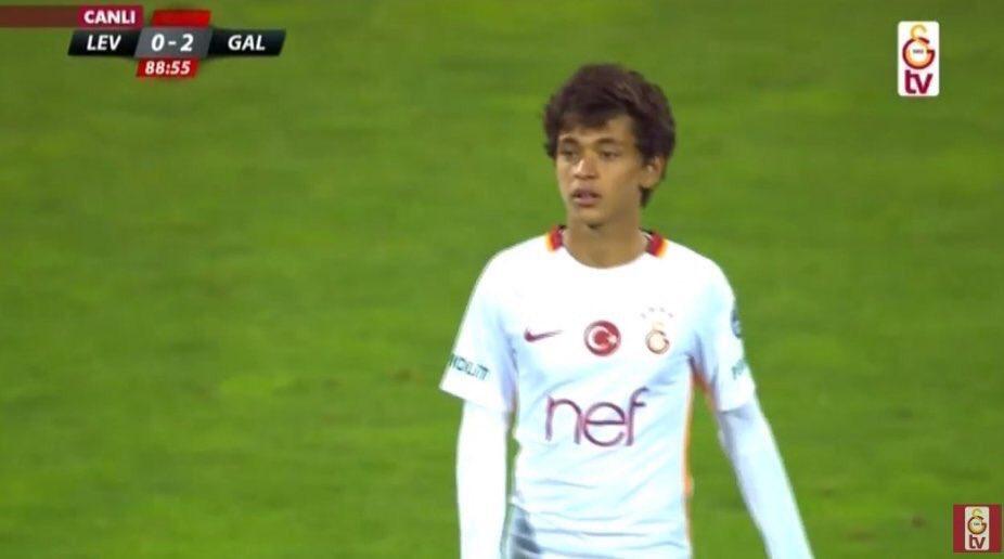 Football - Le club de Galatasaray fait rentrer un joueur… âgé de 14 ans