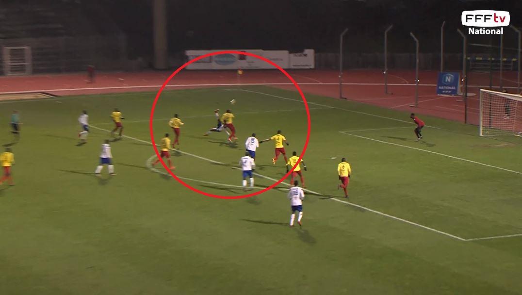 Football - Un retourné absolument fou lors de Lyon Duchère-Entente SSG