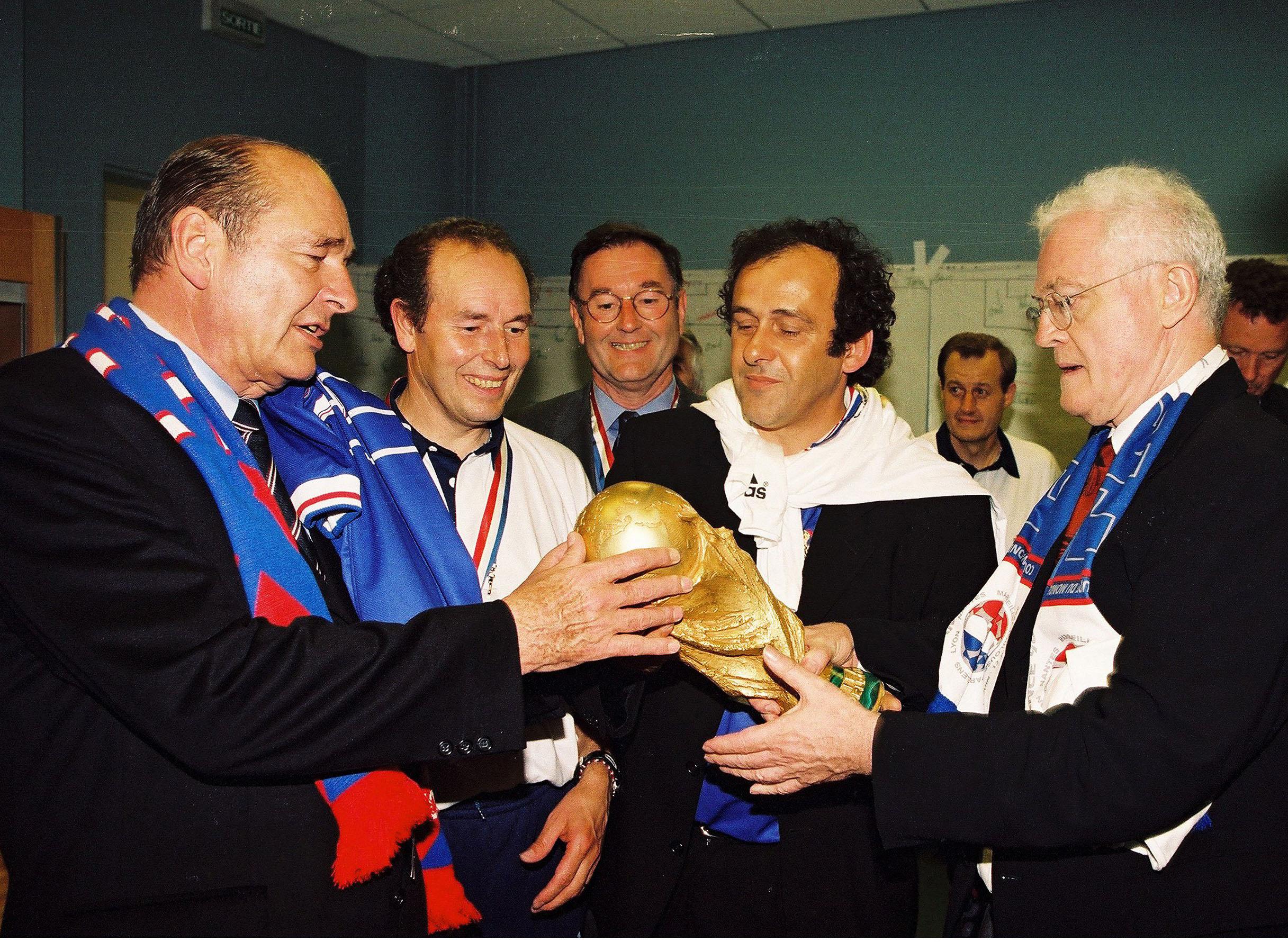 Football - Mort de Jacques Chirac : une minute de silence avant les matchs de foot ce week-end