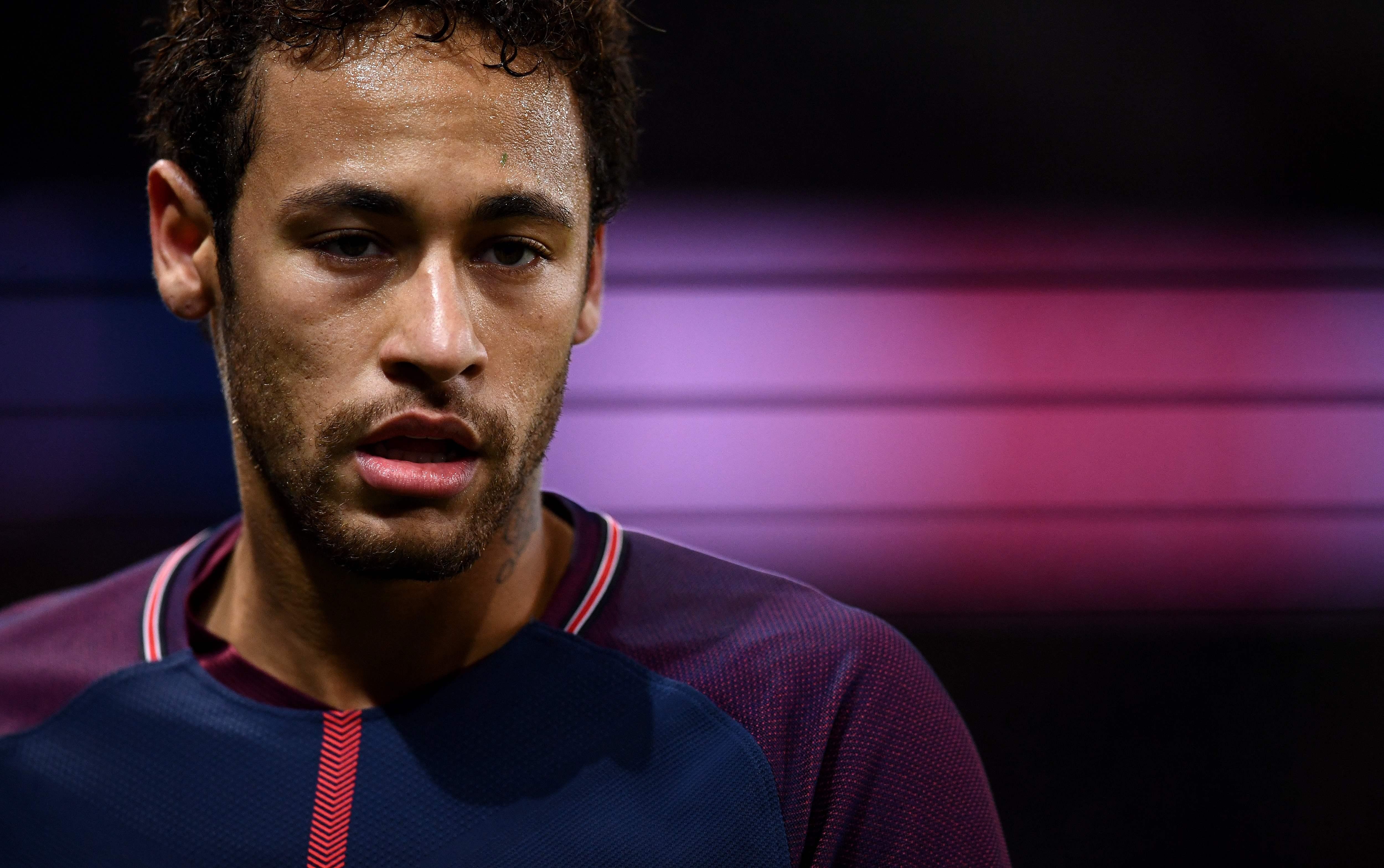 Football - Ballon d'Or  - Ballon d'Or : ce qui manque à Neymar pour détrôner Ronaldo et Messi