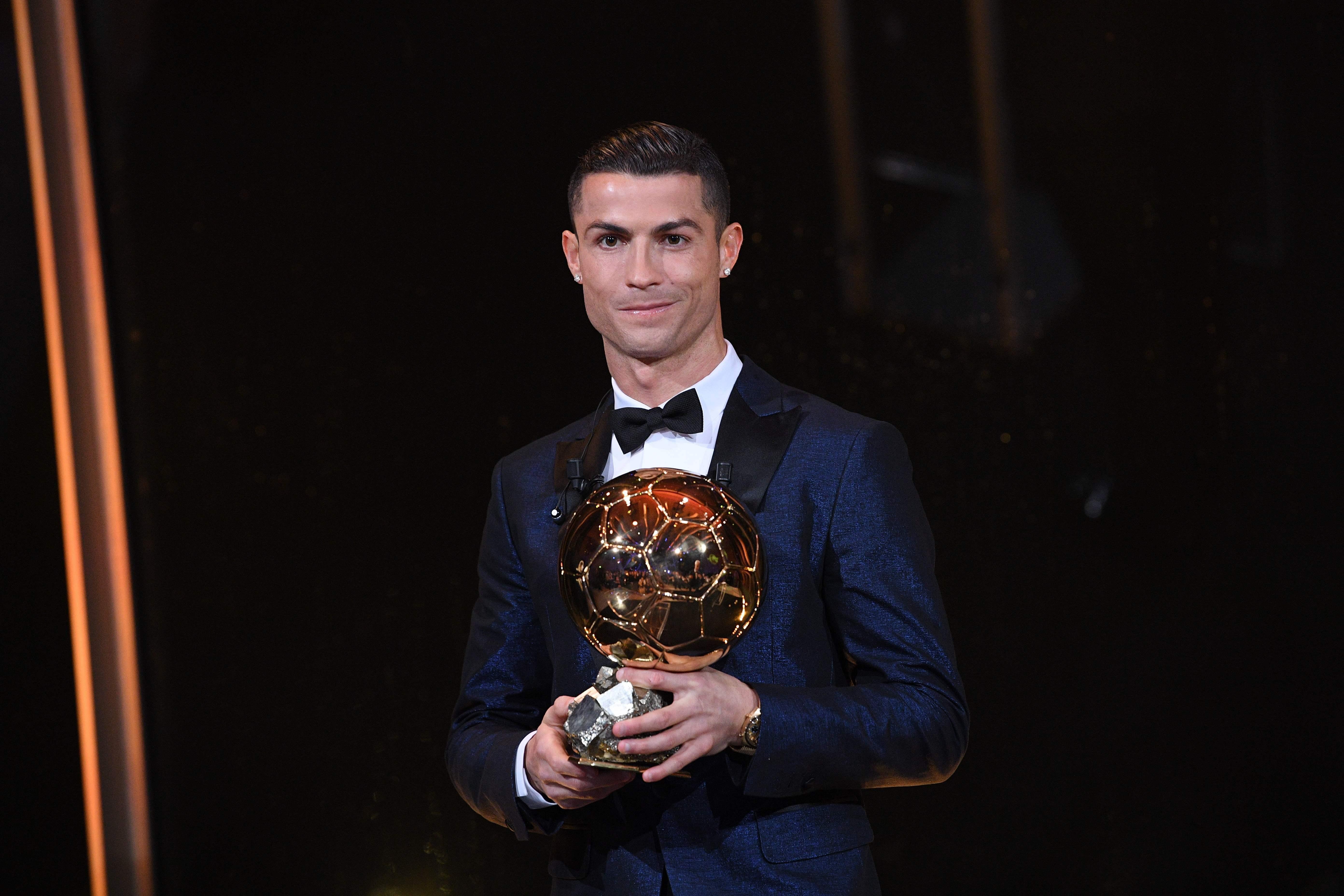 Football - Ballon d'Or  - Ballon d'Or : un Ronaldo cinq étoiles, comme Messi