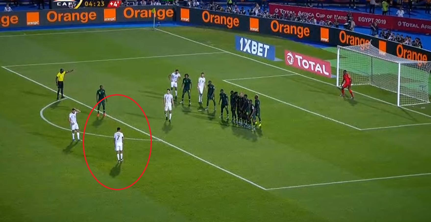 Football - CAN - CAN 2019 : le coup franc magique de Mahrez qui envoie l'Algérie en finale (vidéo)