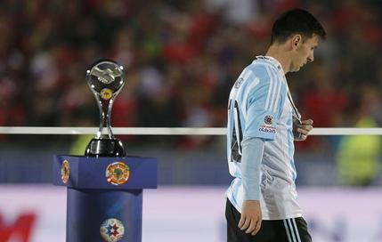 Avec l'Argentine, la malédiction de Messi se poursuit