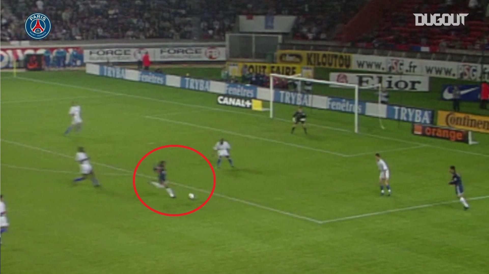 Football - Coupe de France - Lyon-PSG : le missile pleine lucarne de Jay-Jay Okocha en 2001