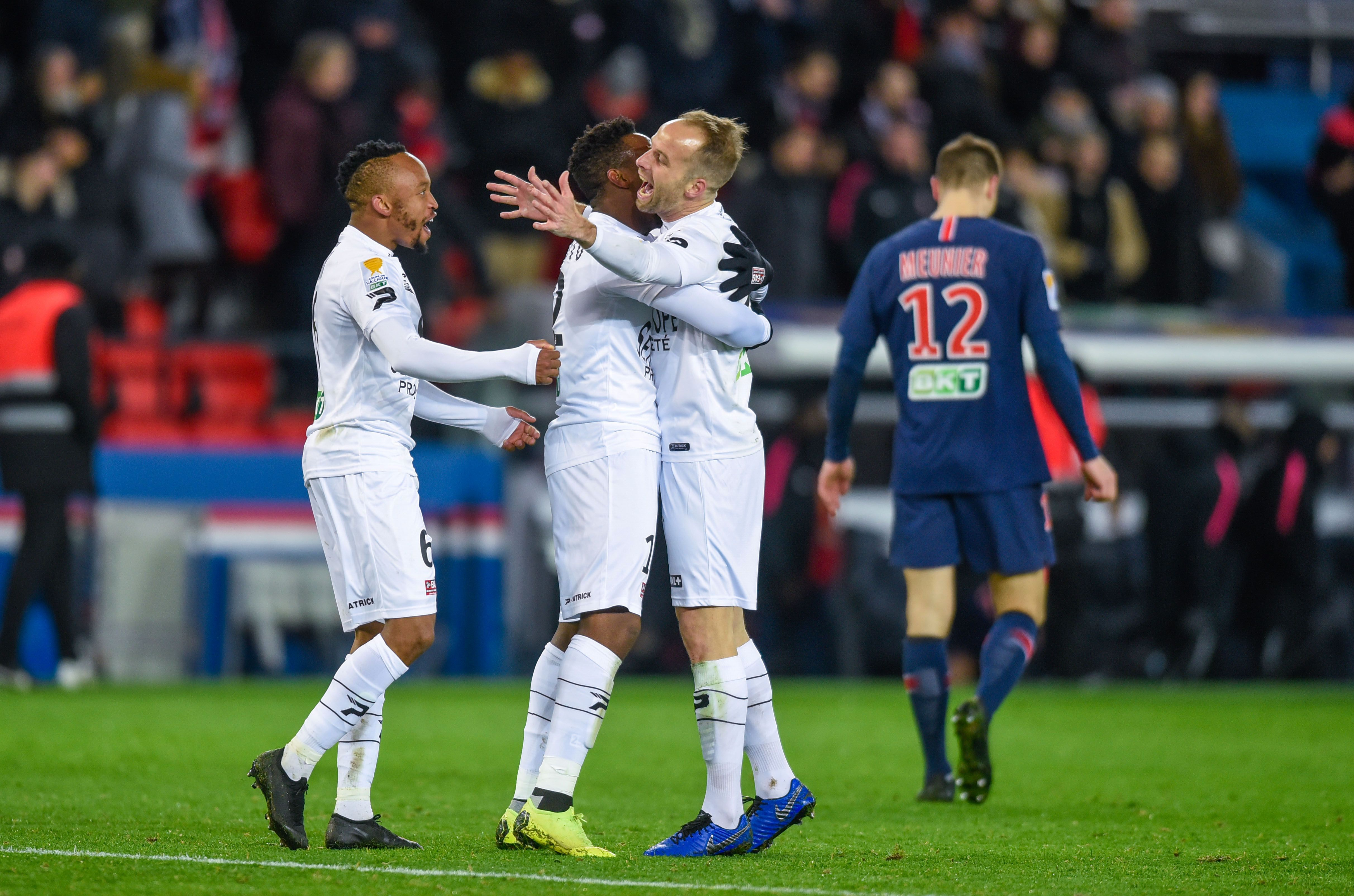 Coupe de la ligue guingamp cr e la sensation en liminant le psg quintuple tenant du titre - Resultat coupe de la ligue en direct ...