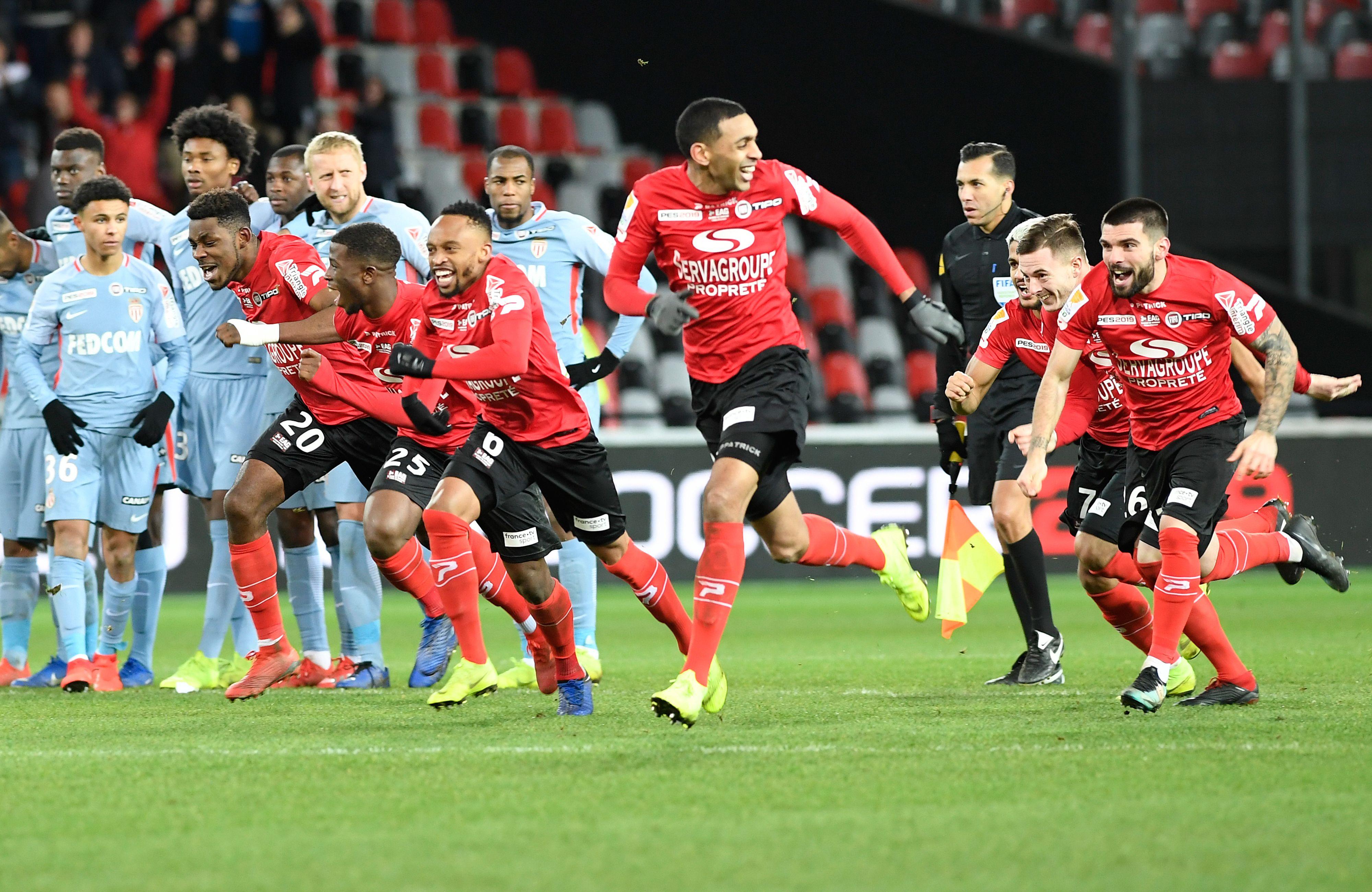 Guingamp d go te le monaco de jardim et se hisse en finale coupe de la ligue football - Football coupe de la ligue direct ...