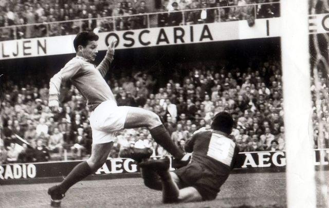 28 juin 1958 le record de just fontaine journal du mondial coupe du monde 2010 coupe du - Record coupe du monde football ...
