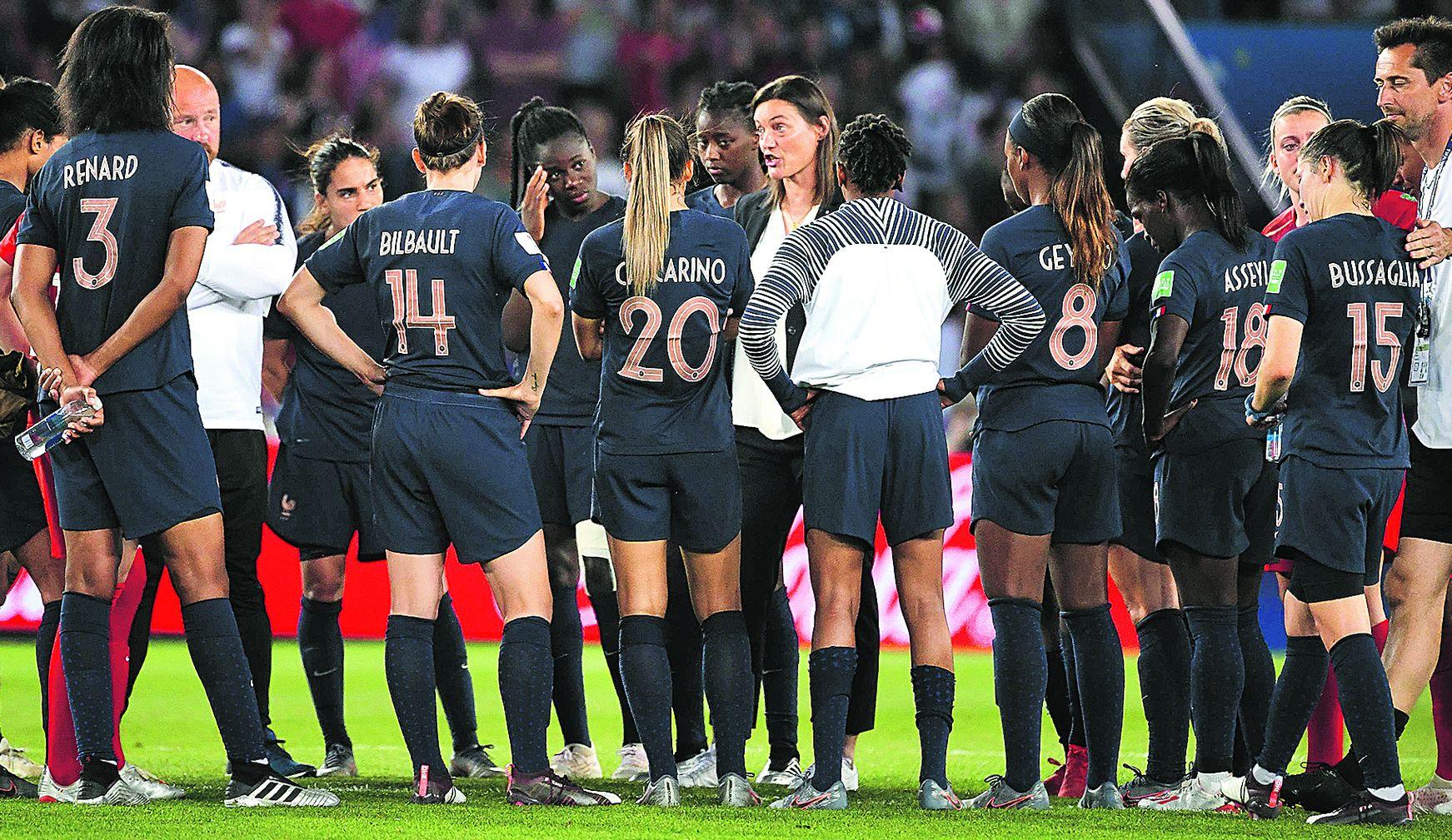 Football - Coupe du monde féminine - Coupe du monde féminine 2019 : après l'échec, l'horizon reste bleu pour Corinne Diacre