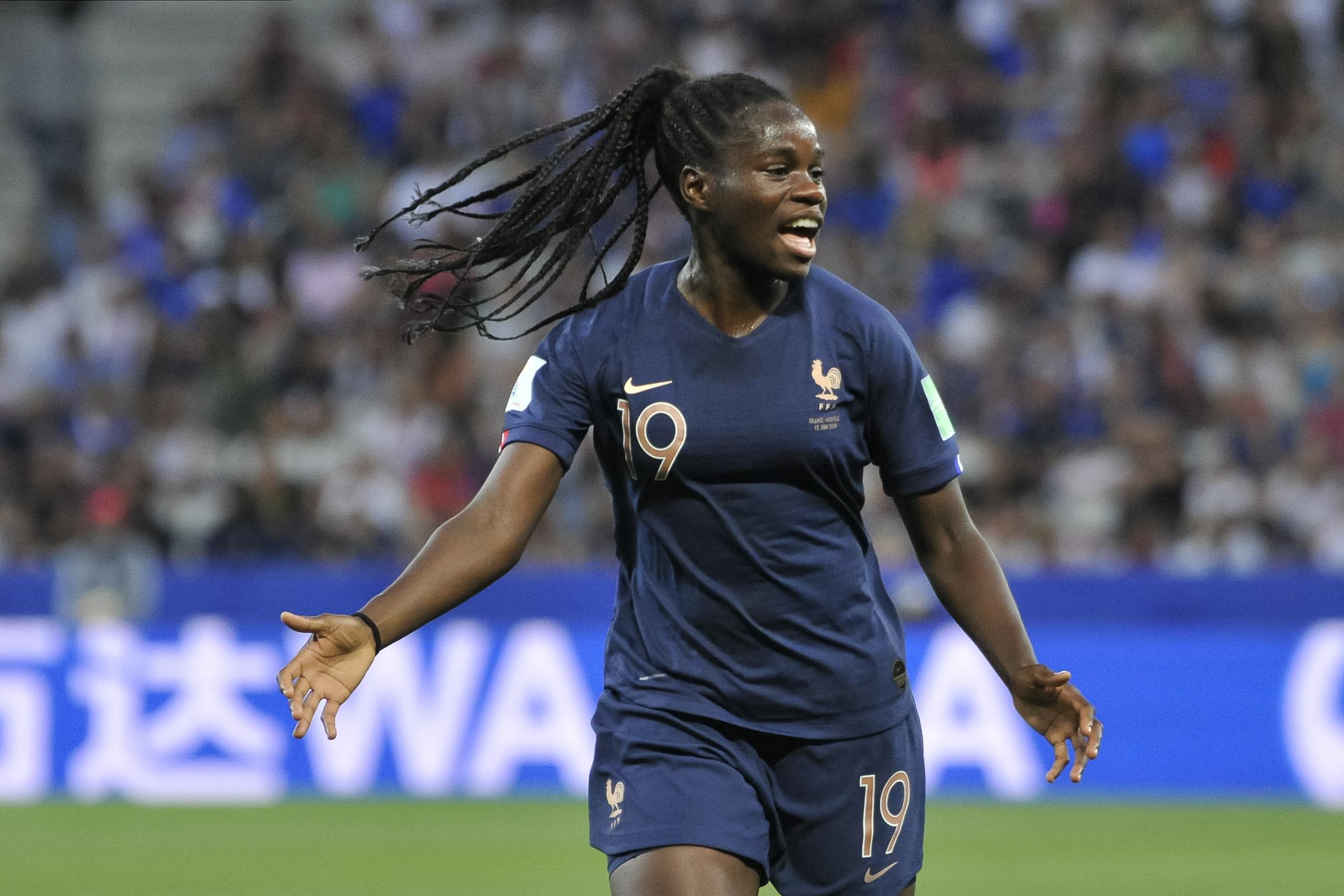 Football - Coupe du monde féminine - Coupe du monde féminine 2019 : Pour Griedge Mbock, la France «a gagné au mental»