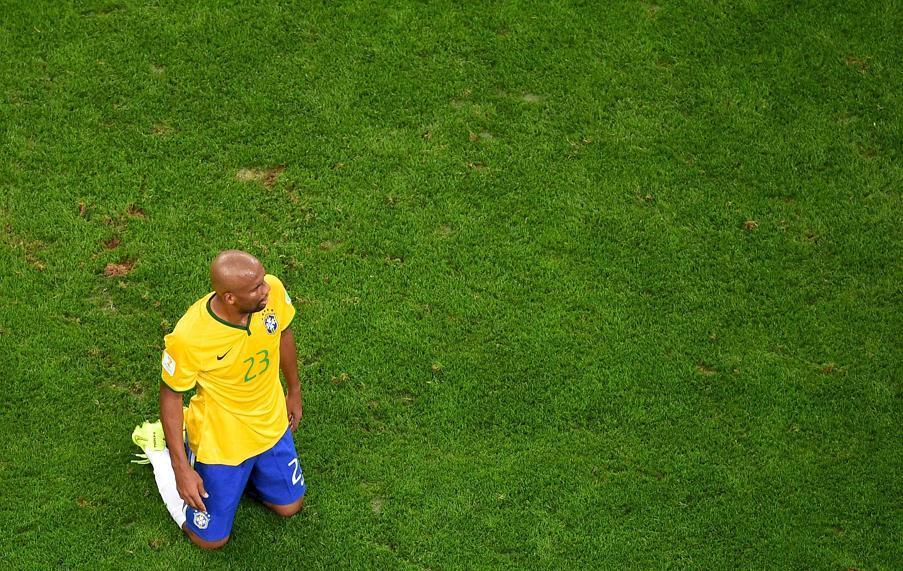 Humili par l 39 allemagne le br sil en plein cauchemar 2014 br sil coupe du monde football - Jeux de football coupe du monde 2014 ...