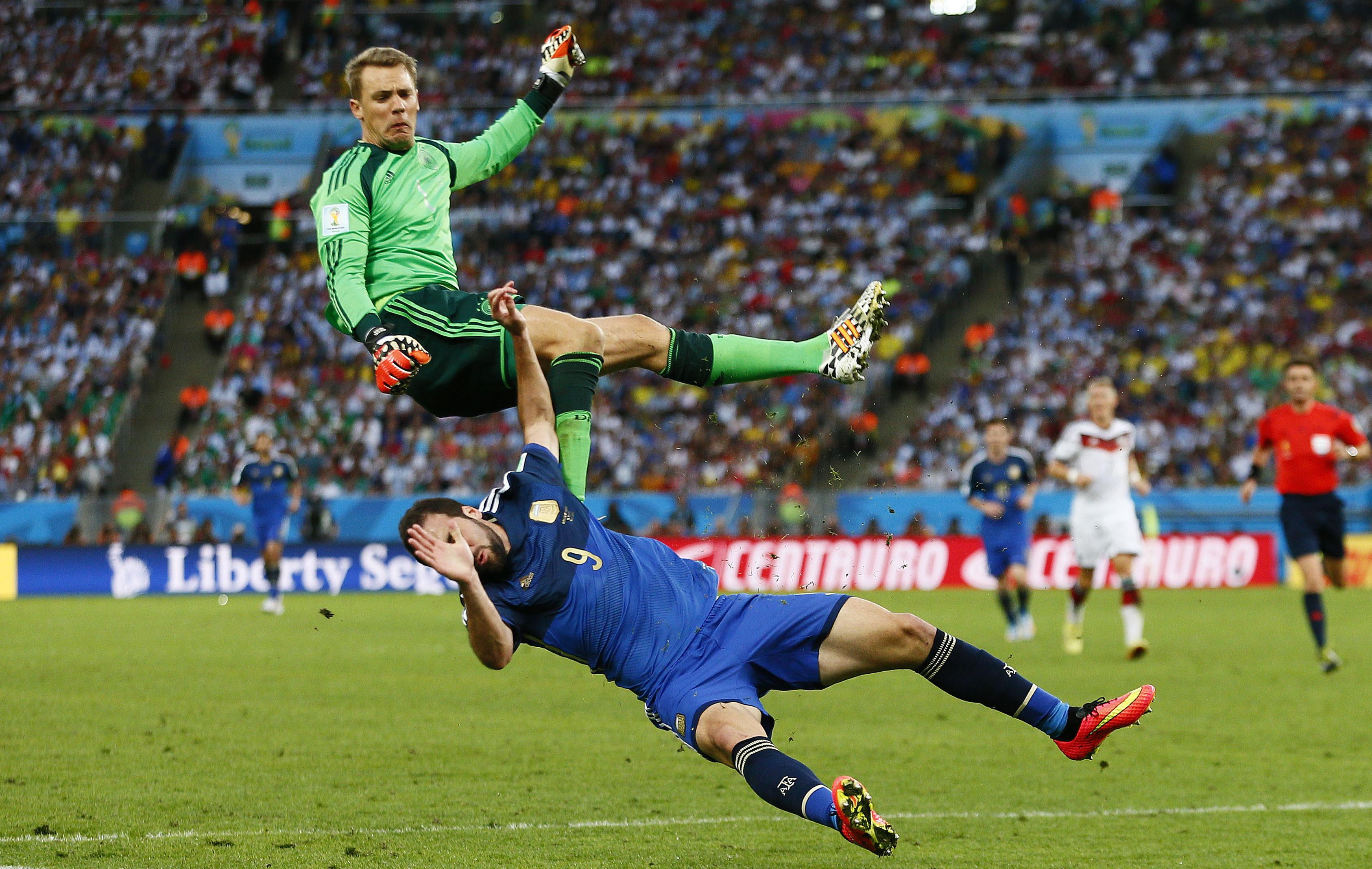Neuer la muraille allemande 2014 br sil coupe du monde football - Jeux de football coupe du monde 2014 ...