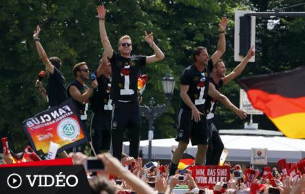 Revivez le retour des h ros allemands berlin 2014 br sil coupe du monde football - Jeux de football coupe du monde 2014 ...